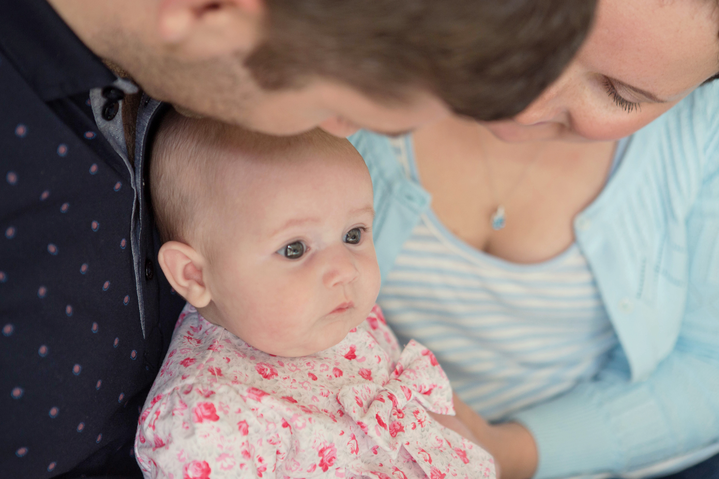 Sophie Evans Photography, Warwickshire family photographer, lifestyle babyshoot at home (20).jpg