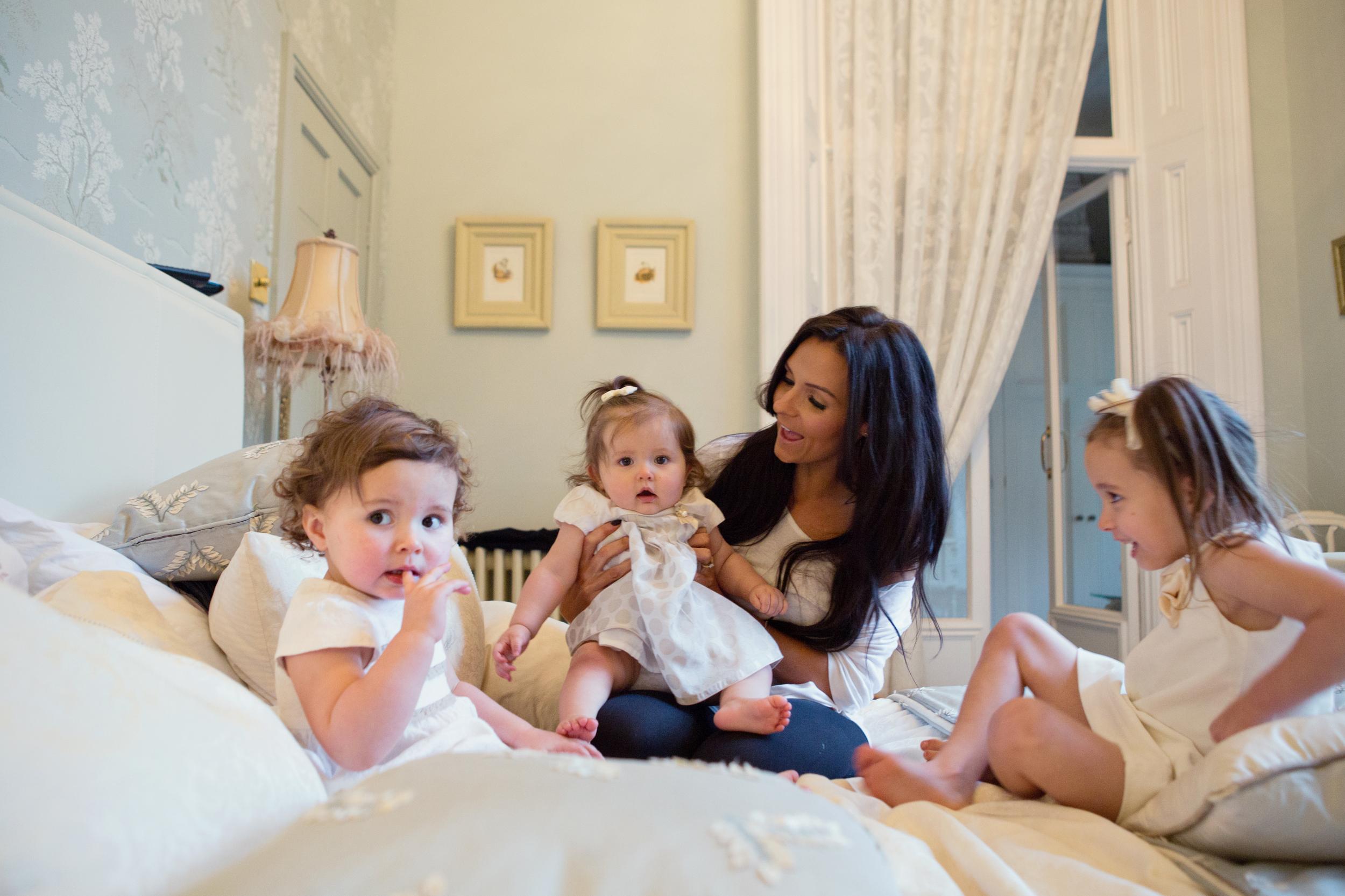 Sophie Evans Photography, At home Family Shoot, Warwickshire, West Midlands, Vicky, Meelia, Amiya & Kiki (3).jpg
