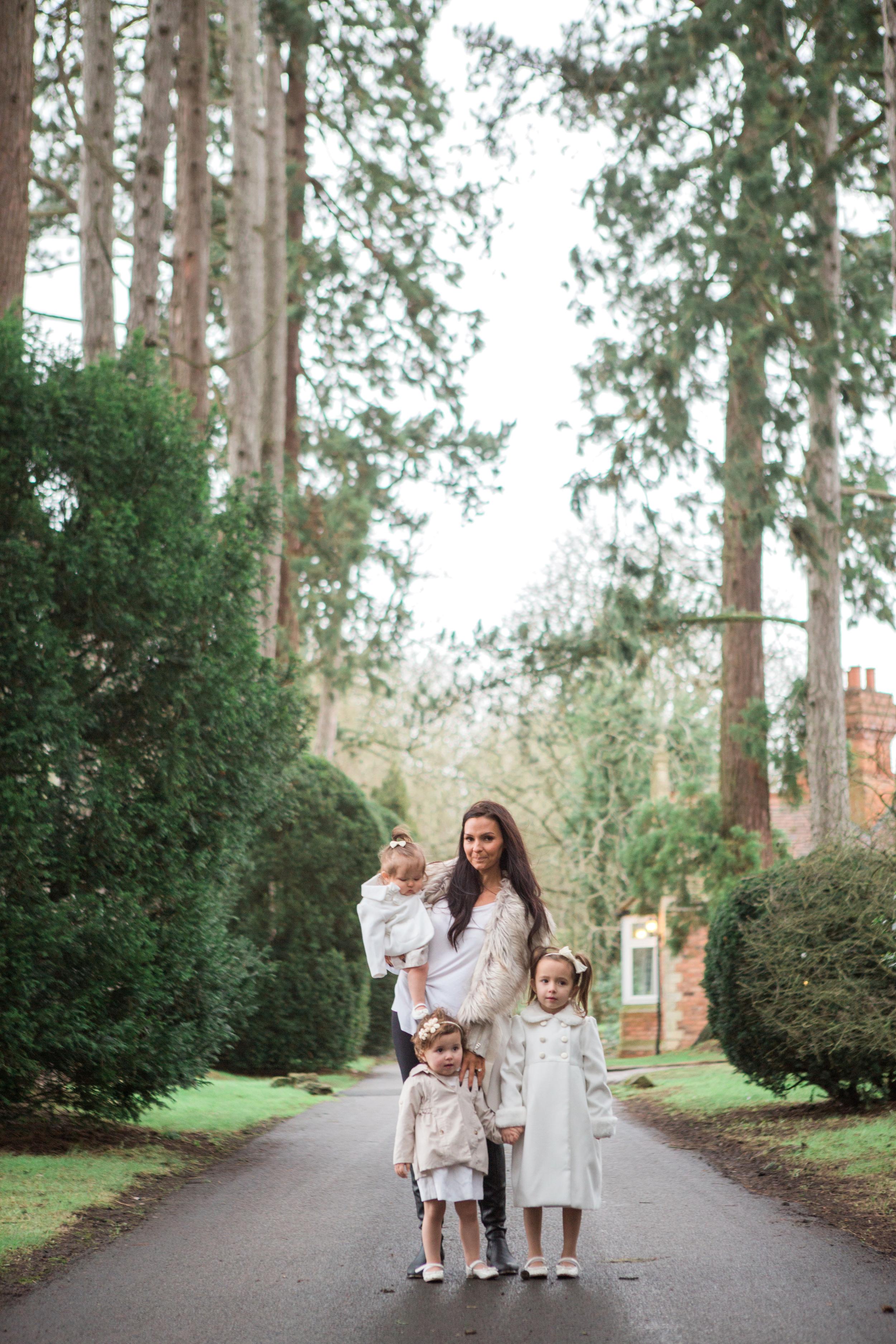 Sophie Evans Photography, At home Family Shoot, Warwickshire, West Midlands, Vicky, Meelia, Amiya & Kiki (18).jpg