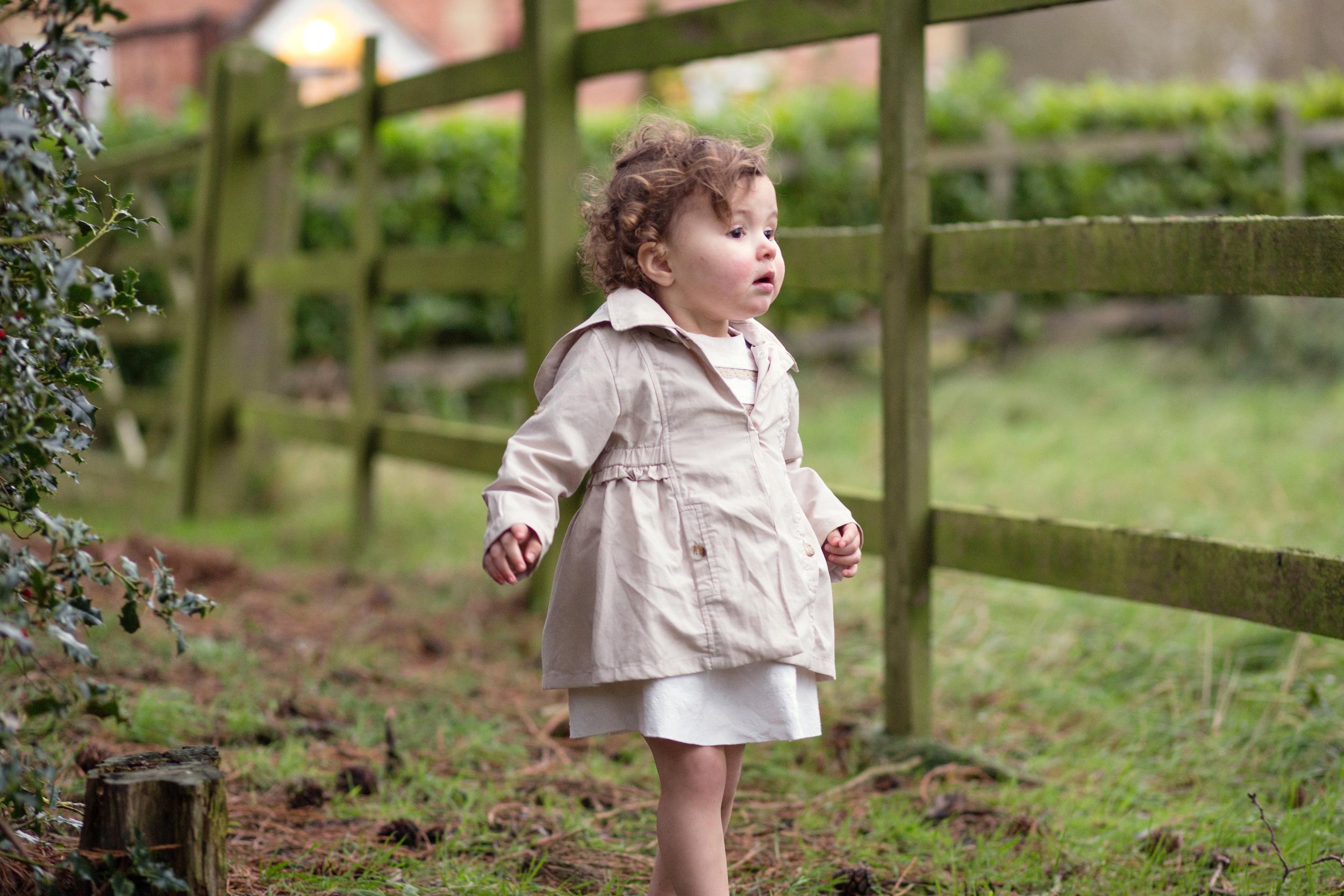 Sophie Evans Photography, At home Family Shoot, Warwickshire, West Midlands, Vicky, Meelia, Amiya & Kiki (20).jpg