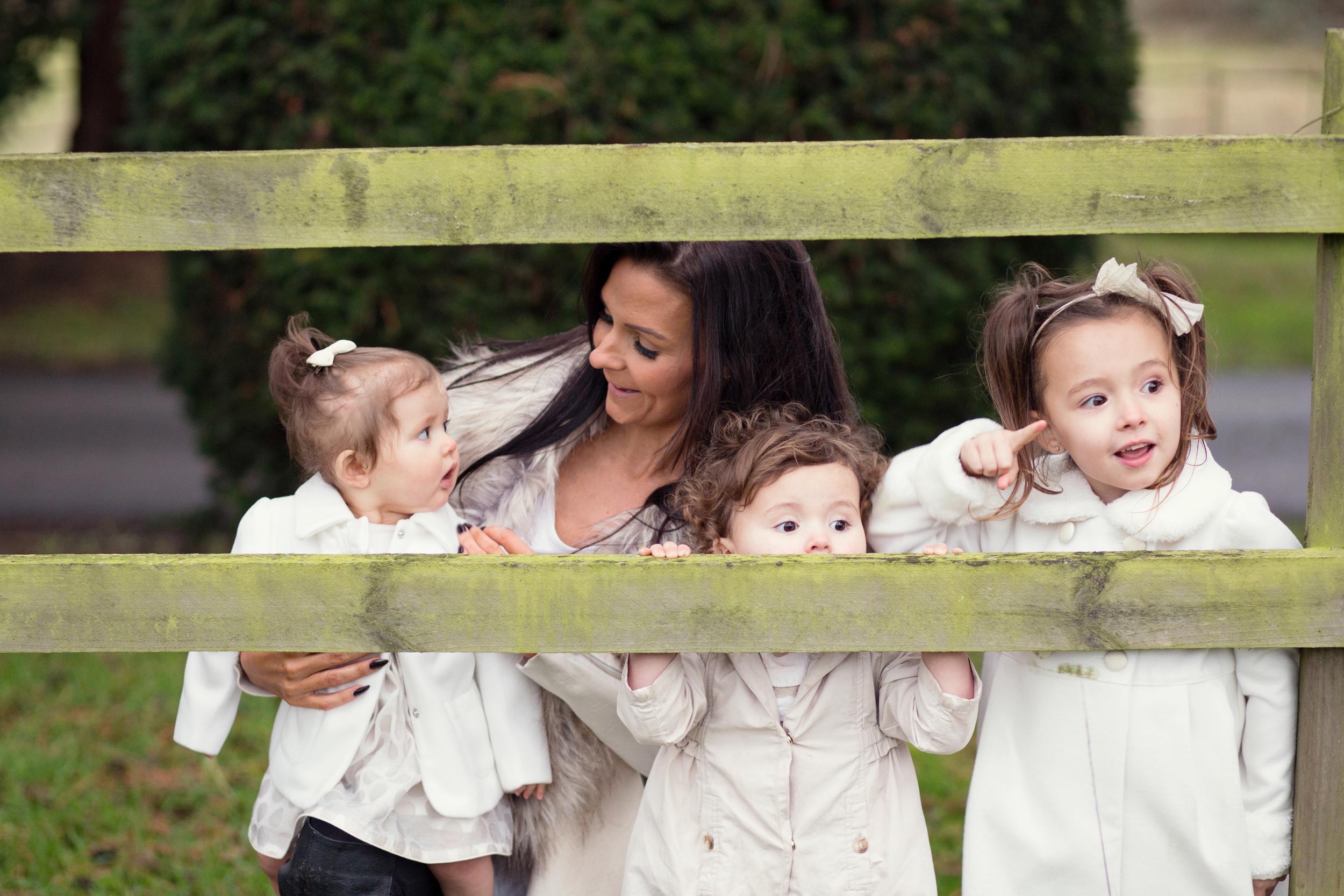 Sophie Evans Photography, At home Family Shoot, Warwickshire, West Midlands, Vicky, Meelia, Amiya & Kiki (21).jpg