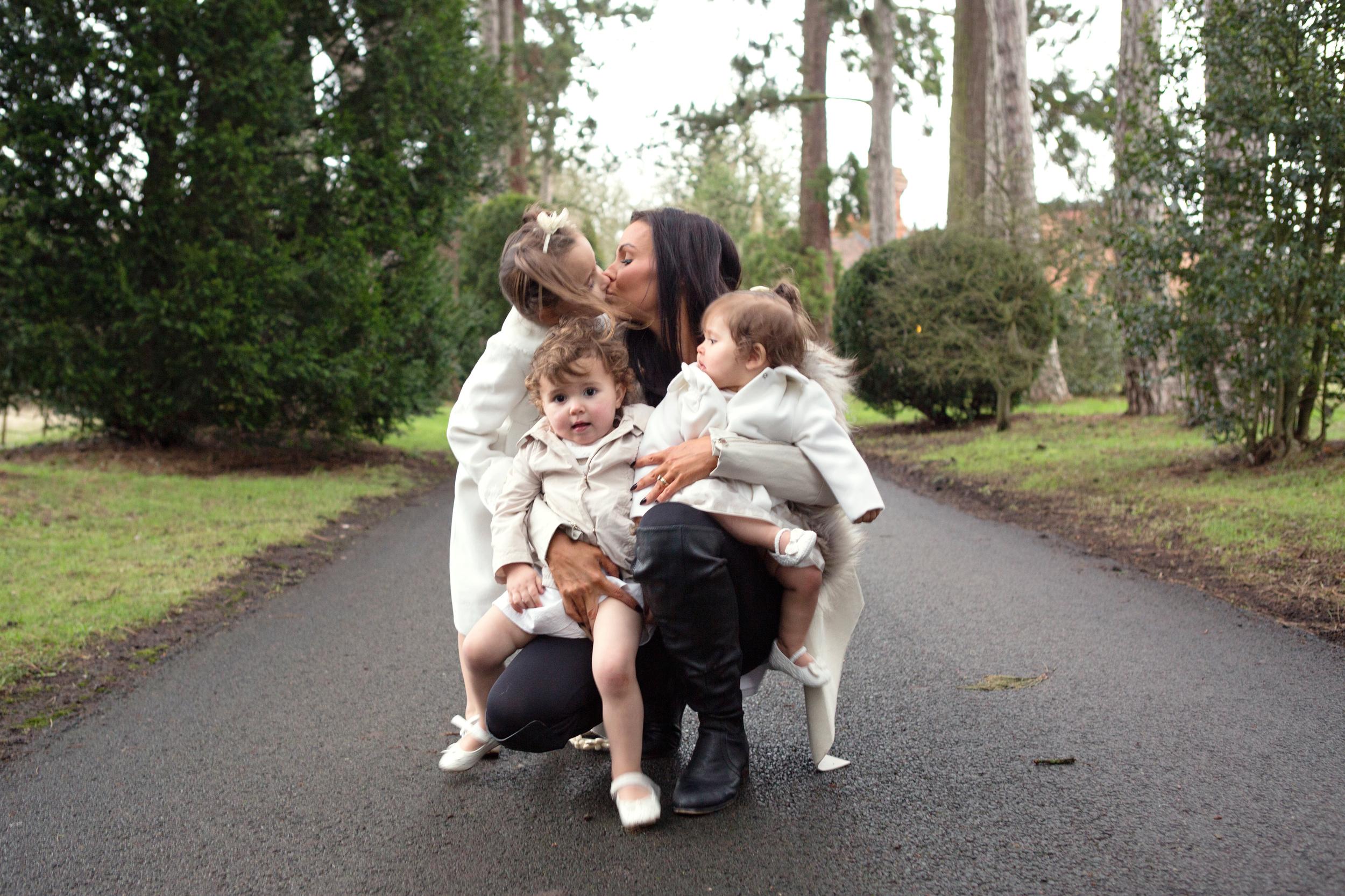 Sophie Evans Photography, At home Family Shoot, Warwickshire, West Midlands, Vicky, Meelia, Amiya & Kiki (19).jpg