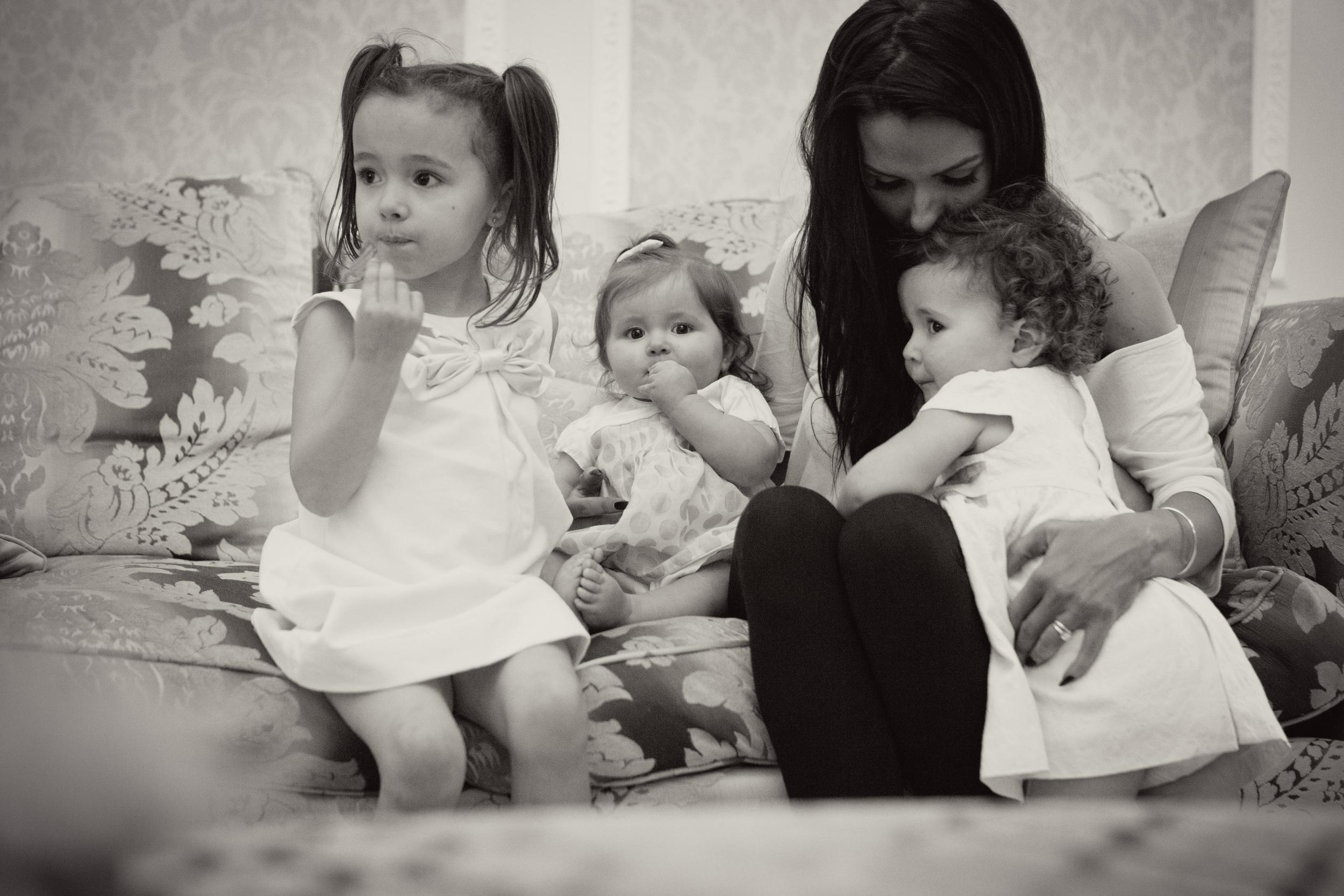 Sophie Evans Photography, At home Family Shoot, Warwickshire, West Midlands, Vicky, Meelia, Amiya & Kiki (24).jpg