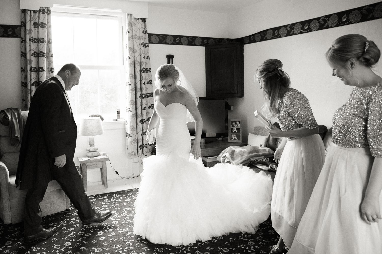 Sophie Evans Photography, Gus & Emma Farm Wedding, Warwick School Wedding. Warwickshire Wedding Photographer-30.jpg