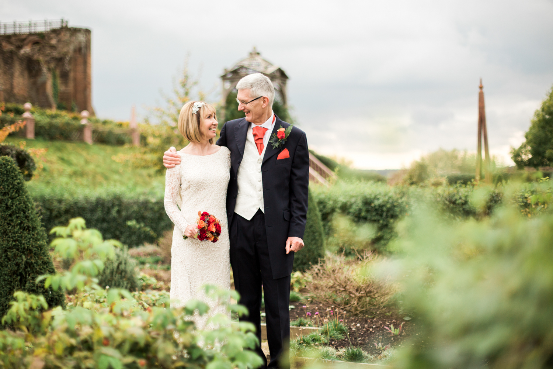Sophie Evans Photography, Kenilworth castle Wedding 1.jpg