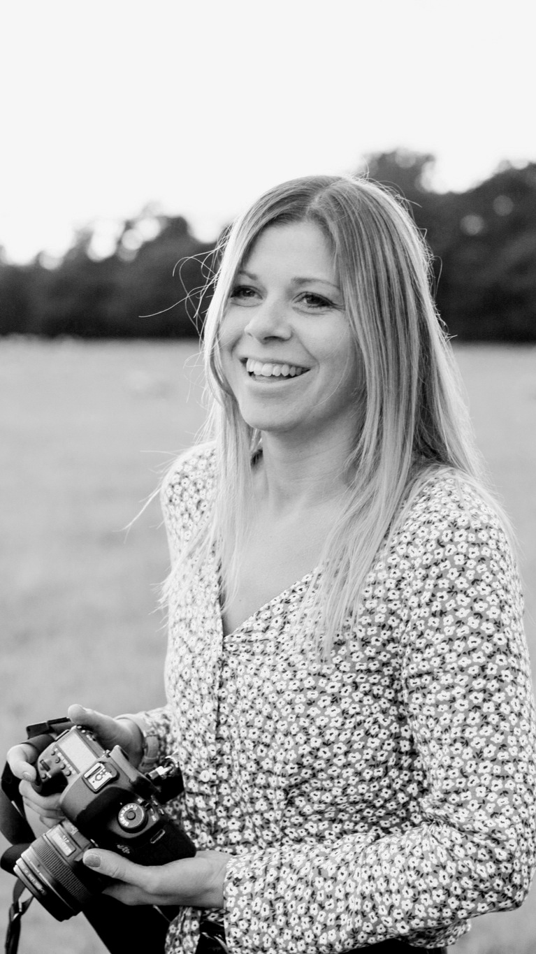 Find out more about Warwick wedding photographer Sophie