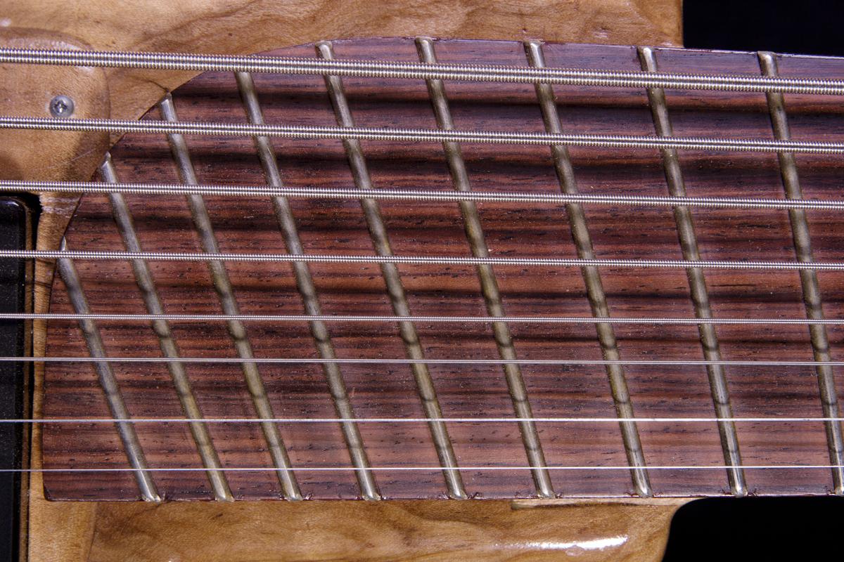 8-string-D.jpg