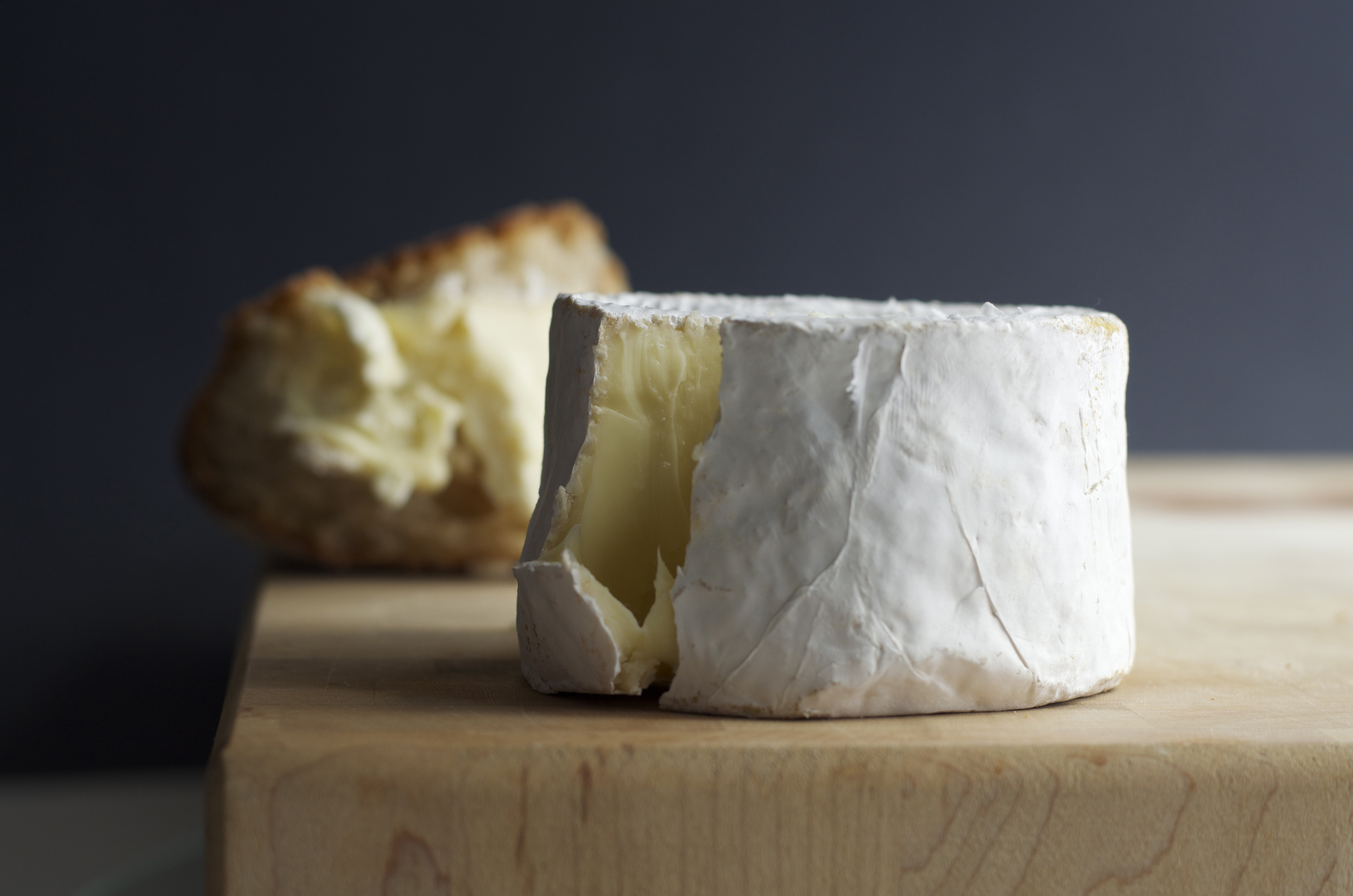Camembert with bread