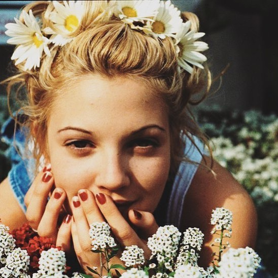 Our #WomanCrushWednesday this week is @drewbarrymore 😍 She's driven, funny and always has amazing hair 🙌 digging this 1990-something pic of her. #springvibes #wcw