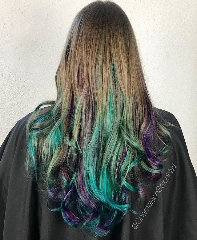 Mermaid Monday! Wait till you see the video we got of these mesmerizing mermaid locks in motion 😍🧜♀️ Hair by: @briannaisachameleon