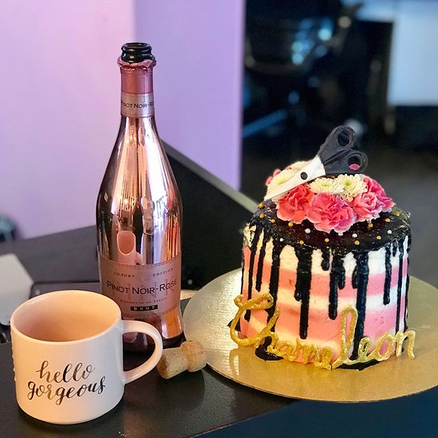 Stretching our 10 year Birthday celebration out a few extra days! 👌😍 Nicole hooked us up with this adorable (and YUMMY) cake made by one of her super talented clients!