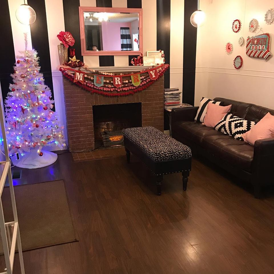 The salon is all decked out for the holidays!