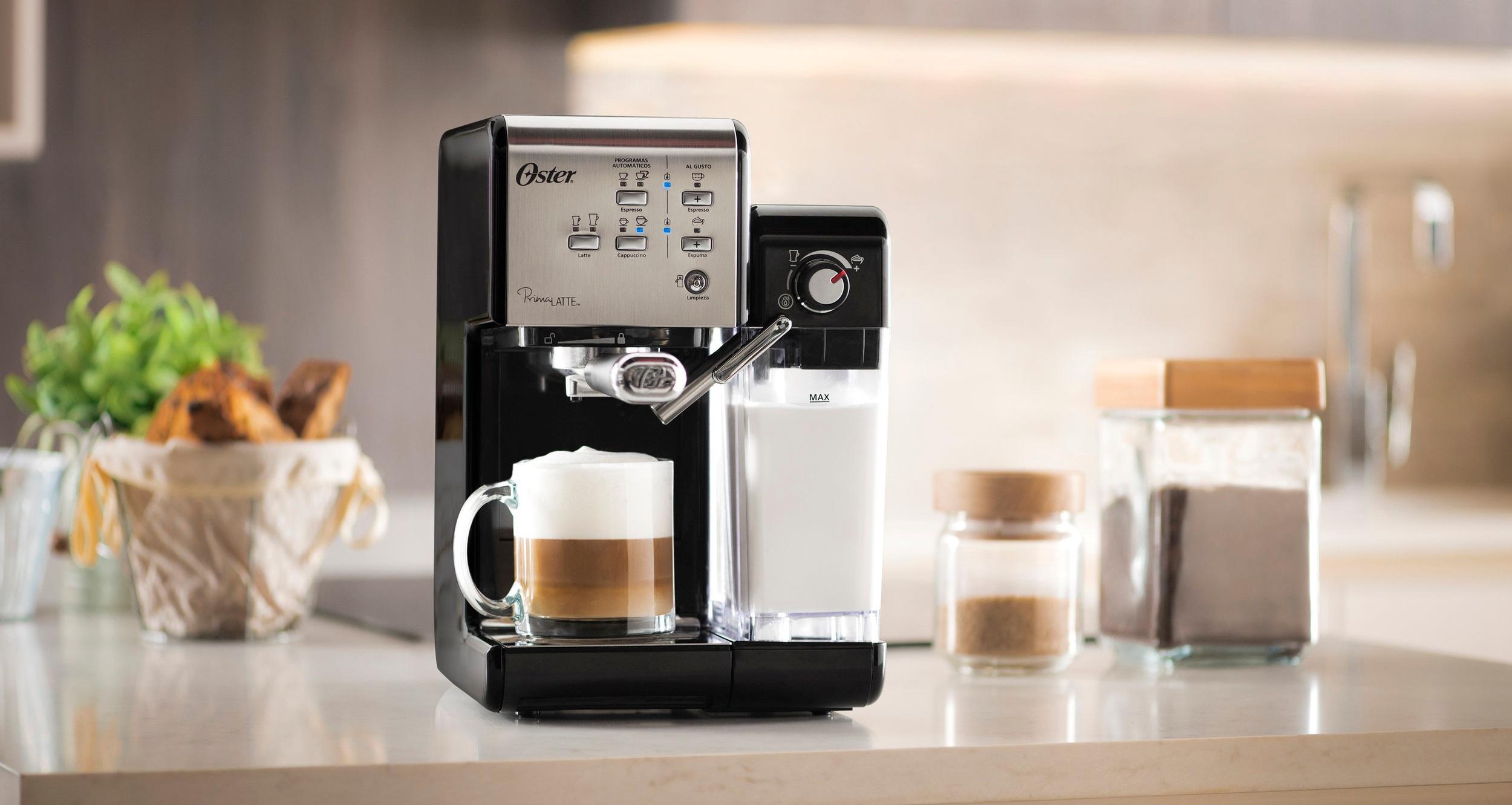 Cafeteira-Espresso-Oster-PrimaLatte-Black-Beauty.jpg