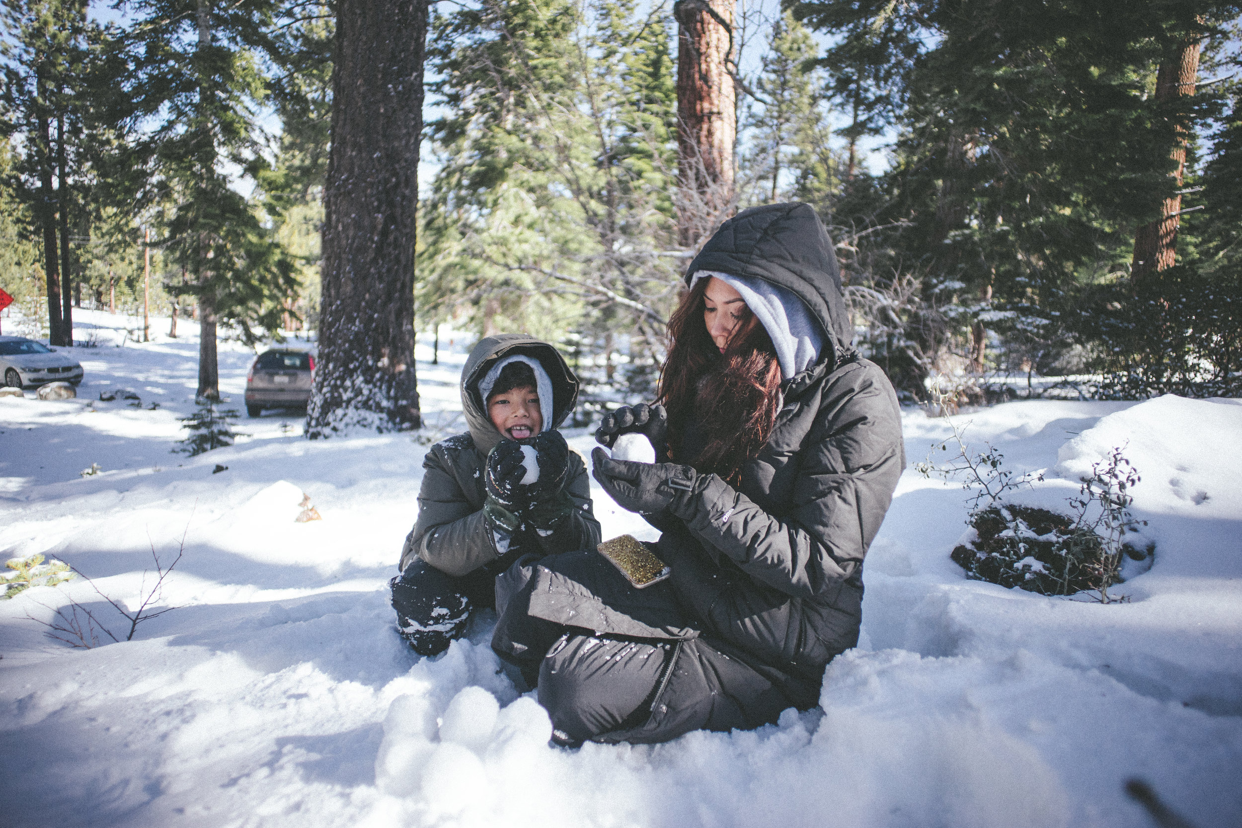 01.23.2016 // i grew up in ohio, so snow was nothing all too special; although i love it. after moving to california, i quickly learned how much i under-appreciated it so being able to visit Lake Tahoe to have a snowball fight with my family was a must.
