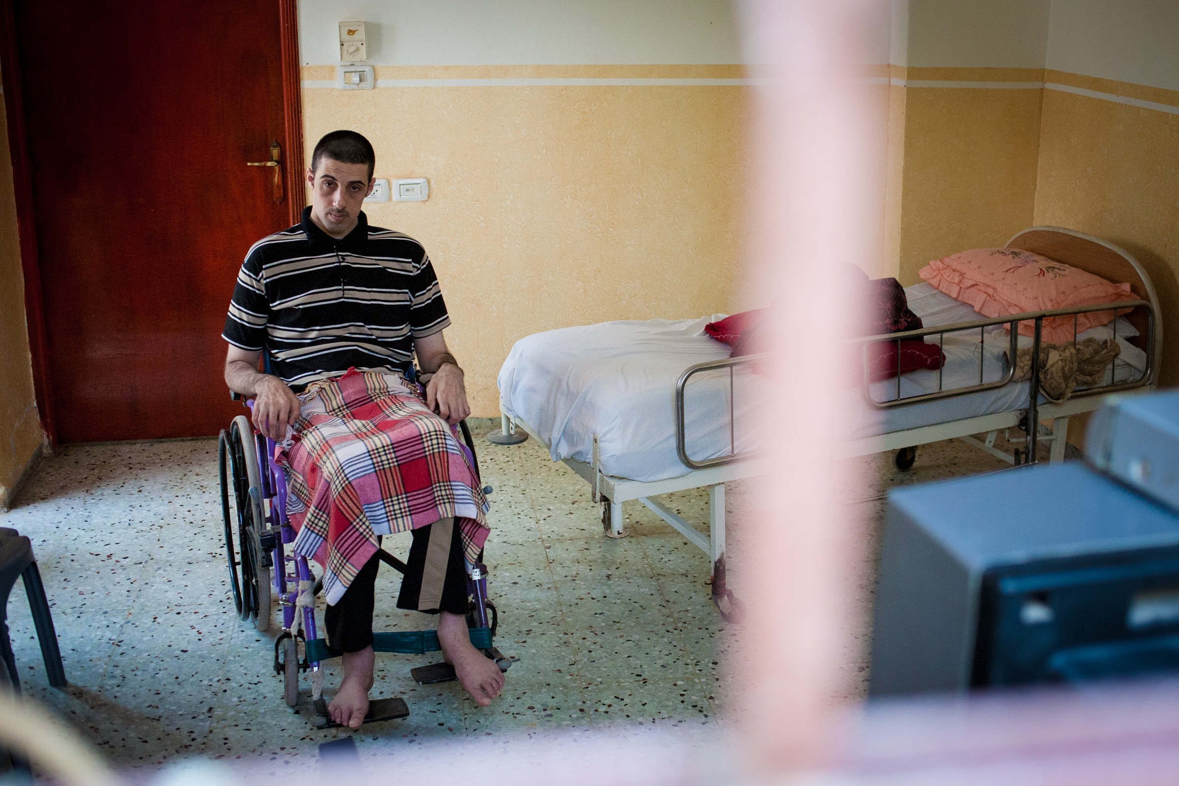 Mohamad Fawzi Yousif Metawé became paralyzed from the waist down, after being shot by israeli settlers at a age of 18.