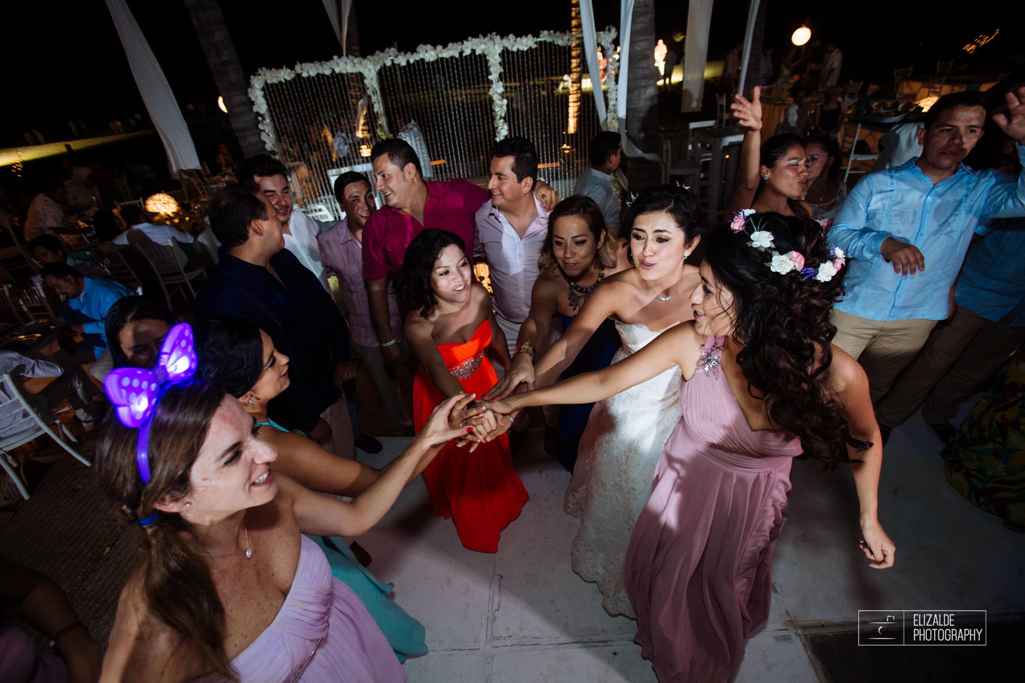 Pay and Ferran_Acapulco_Destination Wedding_Elizalde Photography-119.jpg