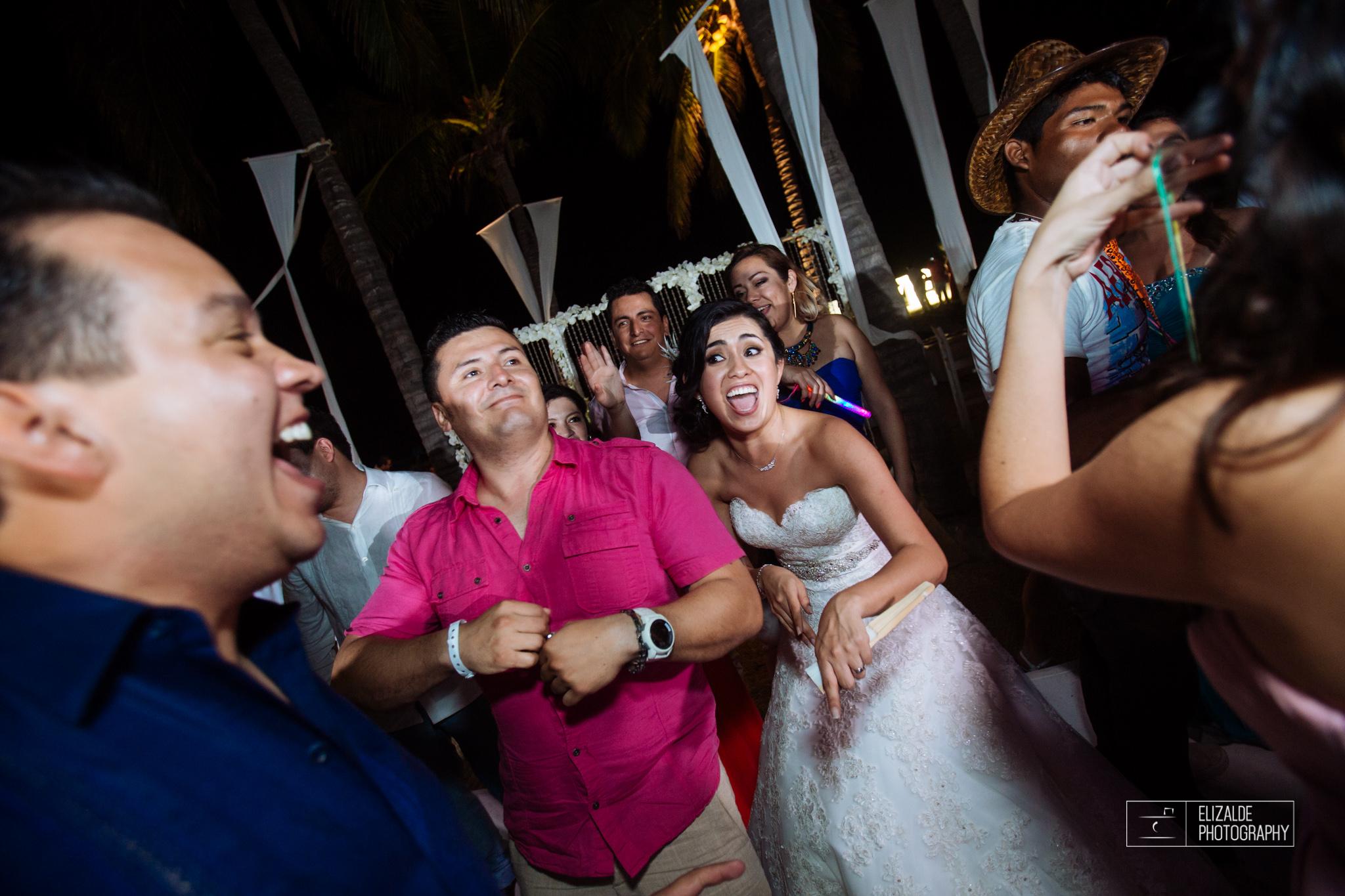 Pay and Ferran_Acapulco_Destination Wedding_Elizalde Photography-121.jpg