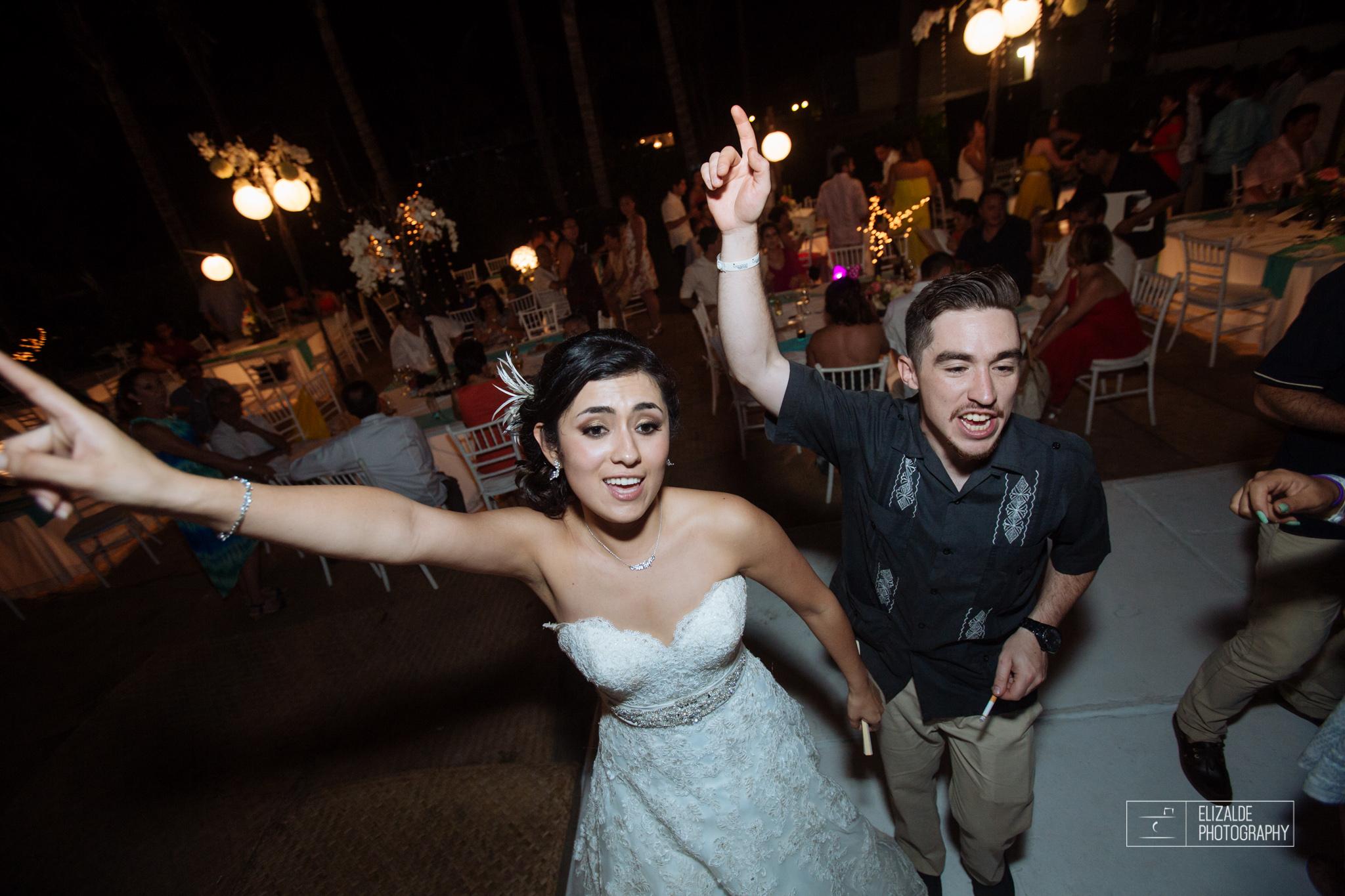 Pay and Ferran_Acapulco_Destination Wedding_Elizalde Photography-125.jpg