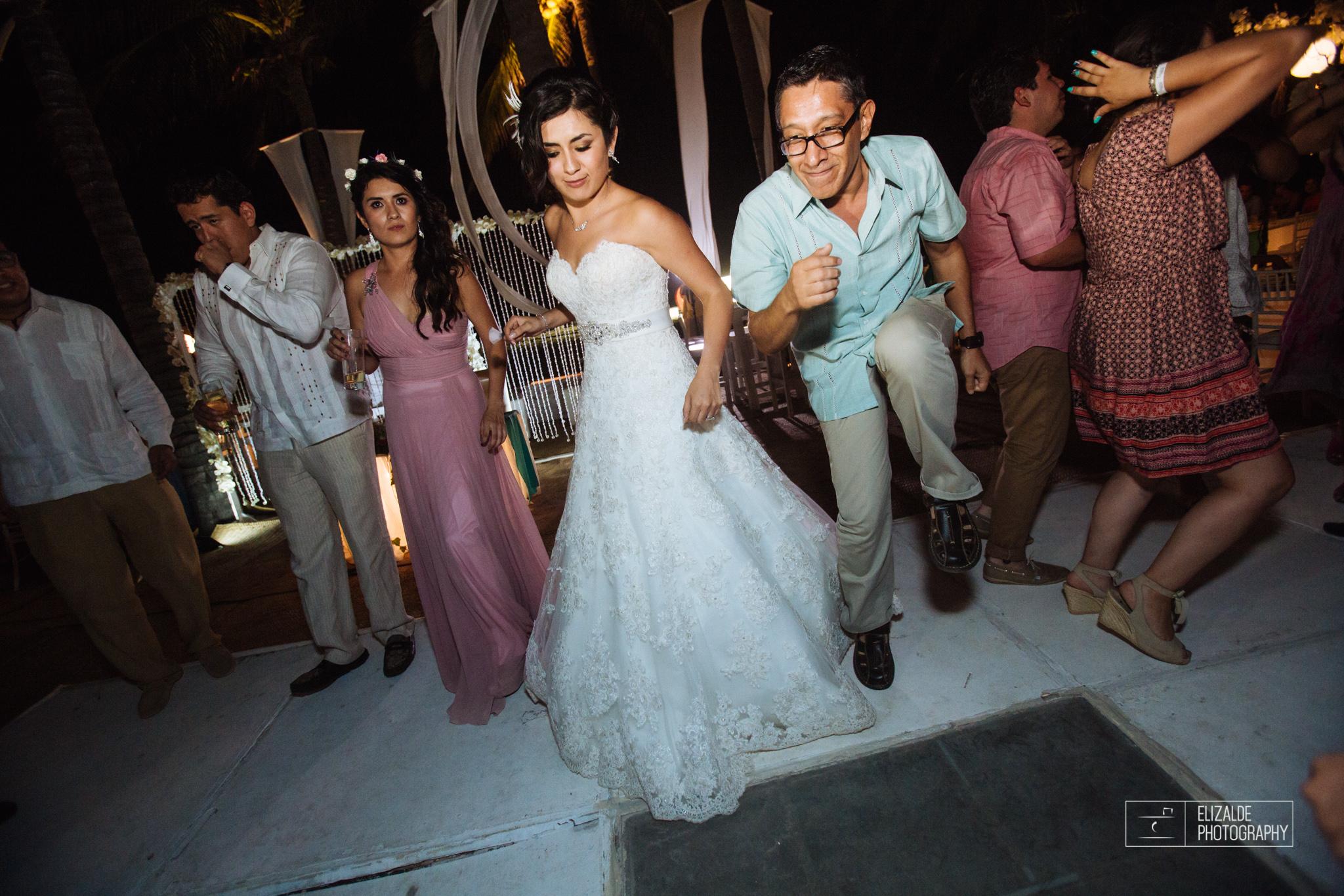 Pay and Ferran_Acapulco_Destination Wedding_Elizalde Photography-133.jpg