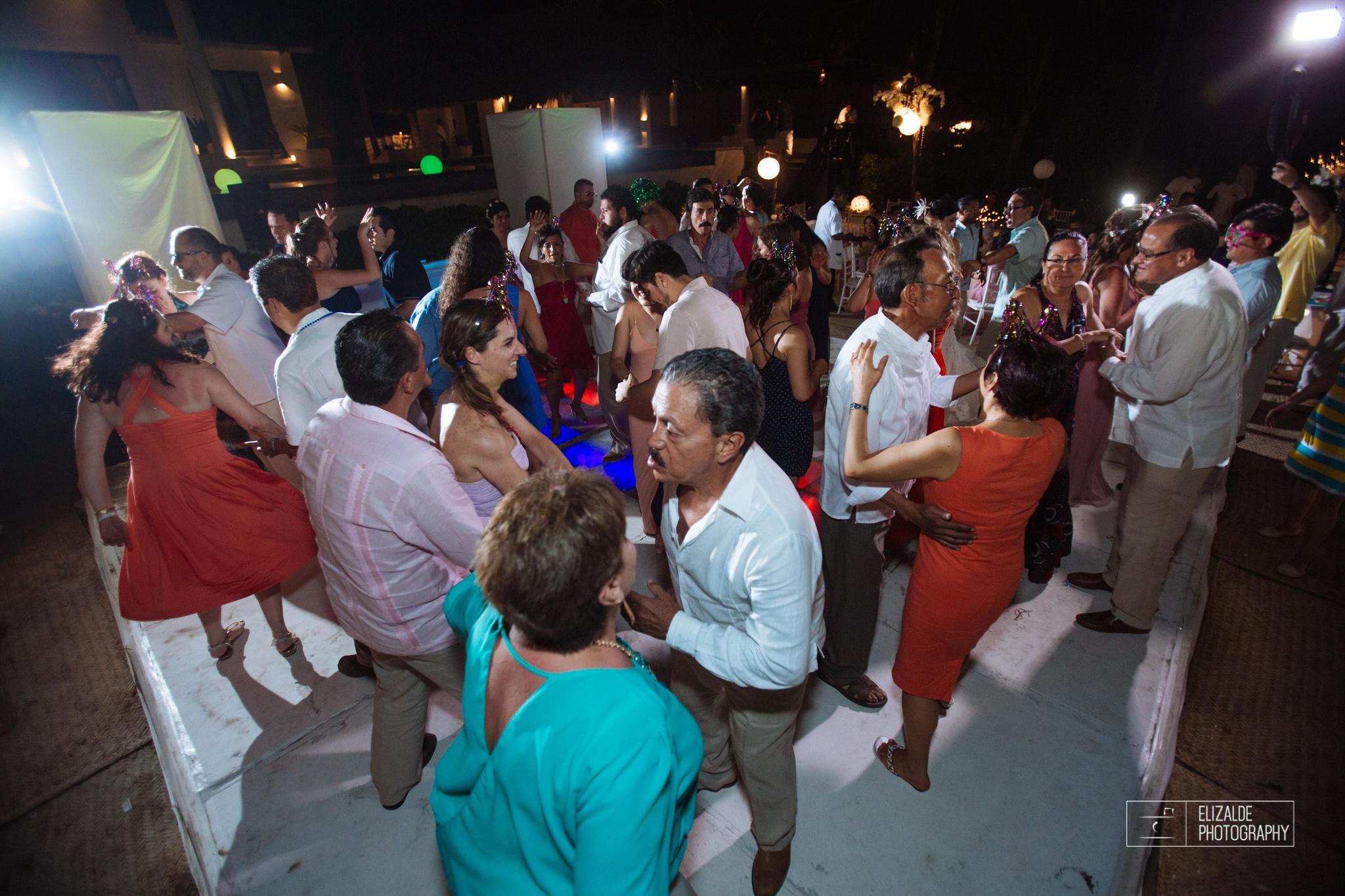 Pay and Ferran_Acapulco_Destination Wedding_Elizalde Photography-151.jpg