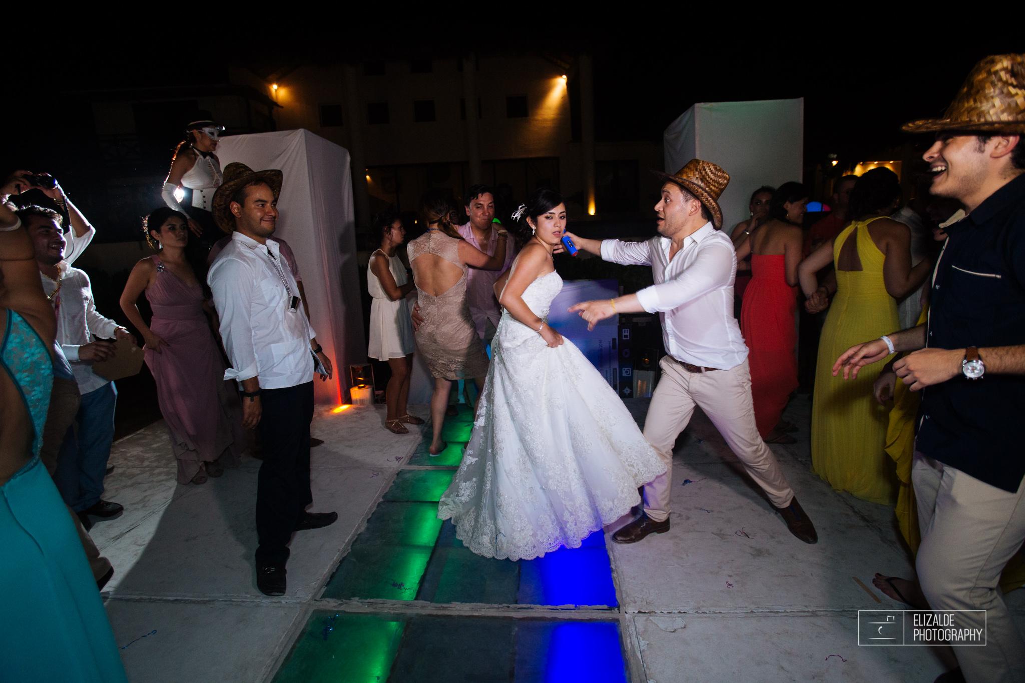 Pay and Ferran_Acapulco_Destination Wedding_Elizalde Photography-169.jpg