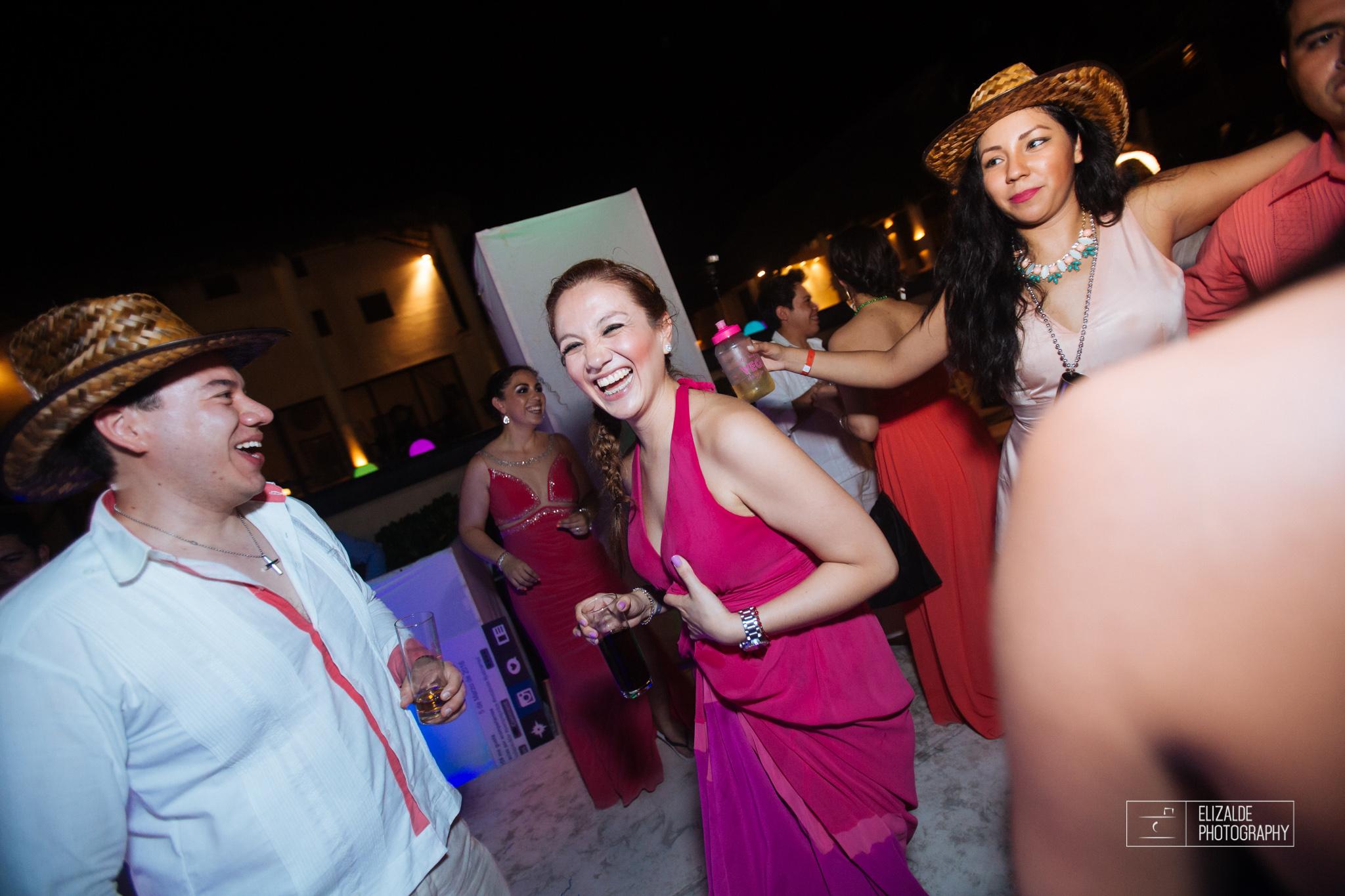 Pay and Ferran_Acapulco_Destination Wedding_Elizalde Photography-170.jpg