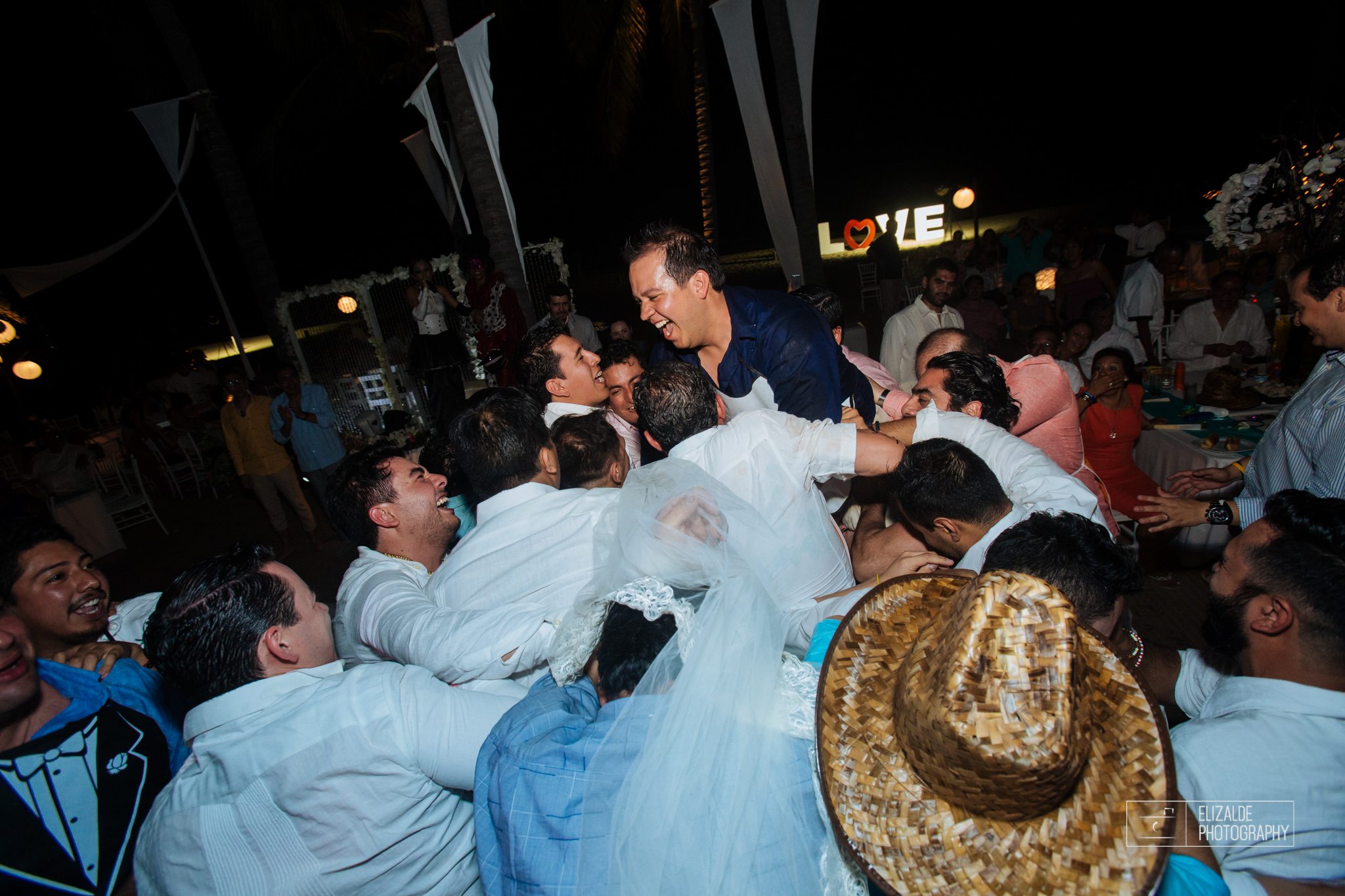 Pay and Ferran_Acapulco_Destination Wedding_Elizalde Photography-180.jpg