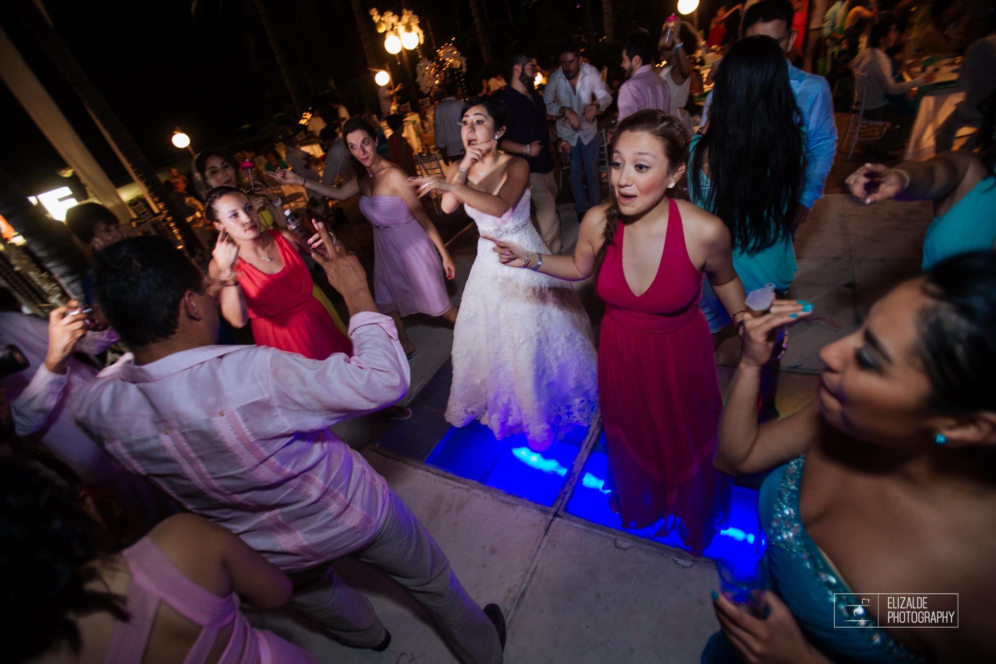 Pay and Ferran_Acapulco_Destination Wedding_Elizalde Photography-185.jpg