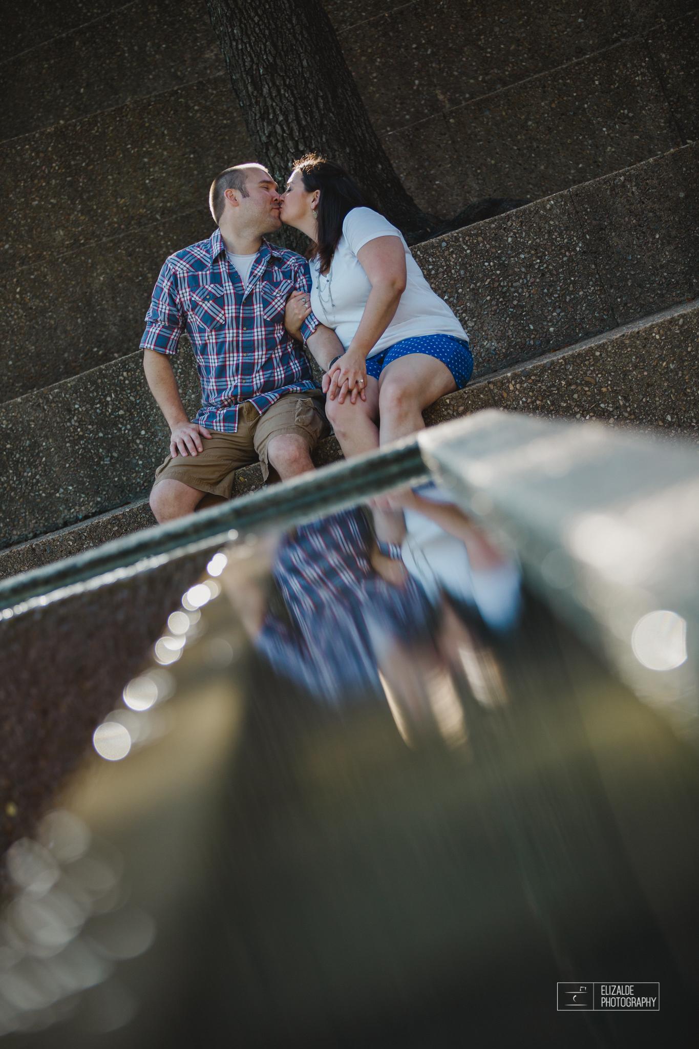Engagement session_Theresa and Darren_DFW photographer_Elizalde Photographer_Water Garden Fort Worth11.jpg