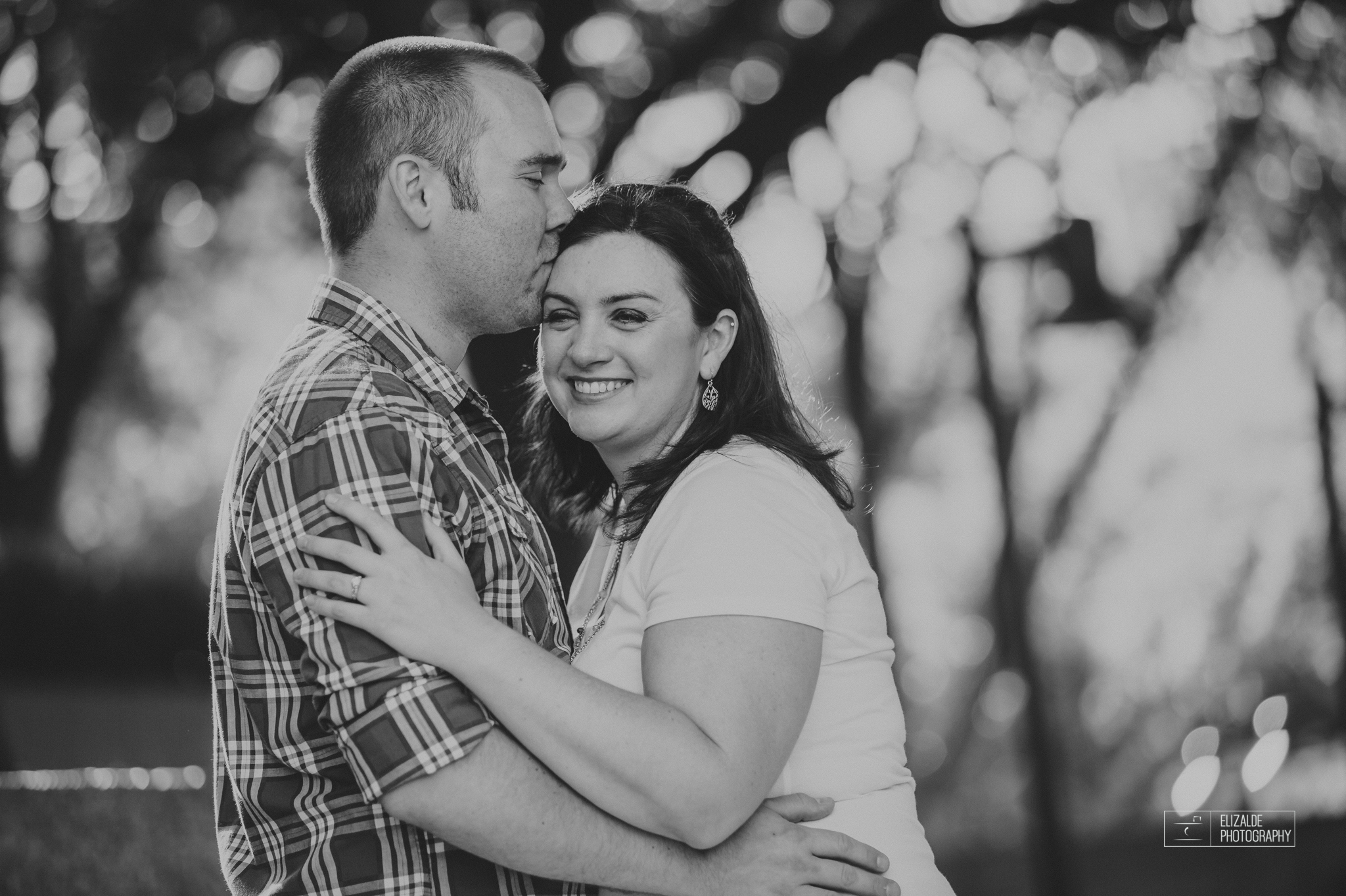 Engagement session_Theresa and Darren_DFW photographer_Elizalde Photographer_Water Garden Fort Worth14.jpg