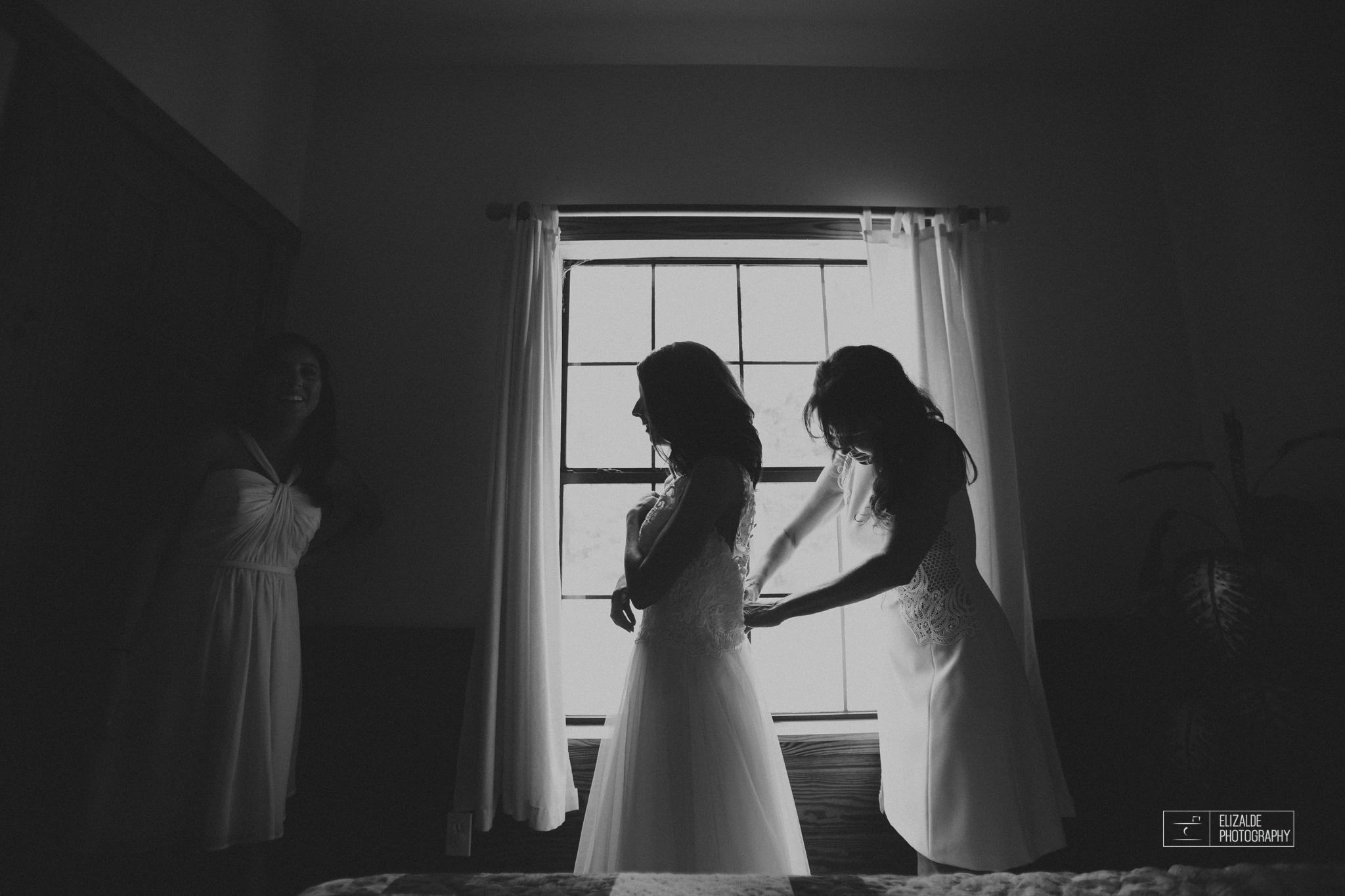 Wedding photographer Dallas_Elizalde Photography_DFW Wedding photographer_ Hickoty Hills_Wedding Photography (18 of 90).jpg