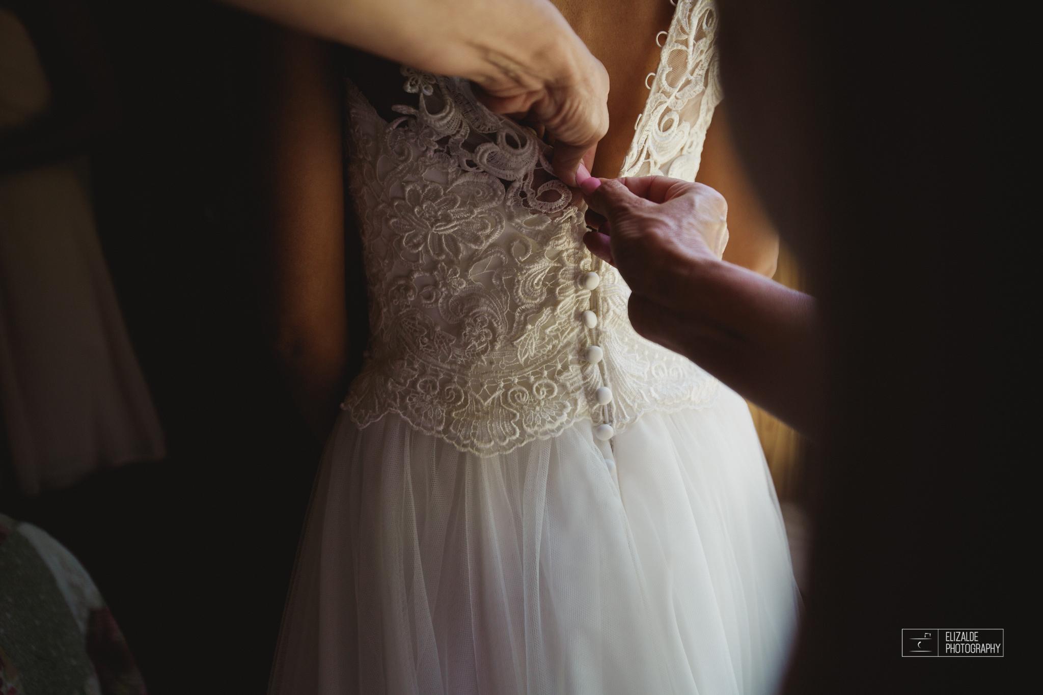 Wedding photographer Dallas_Elizalde Photography_DFW Wedding photographer_ Hickoty Hills_Wedding Photography (19 of 90).jpg