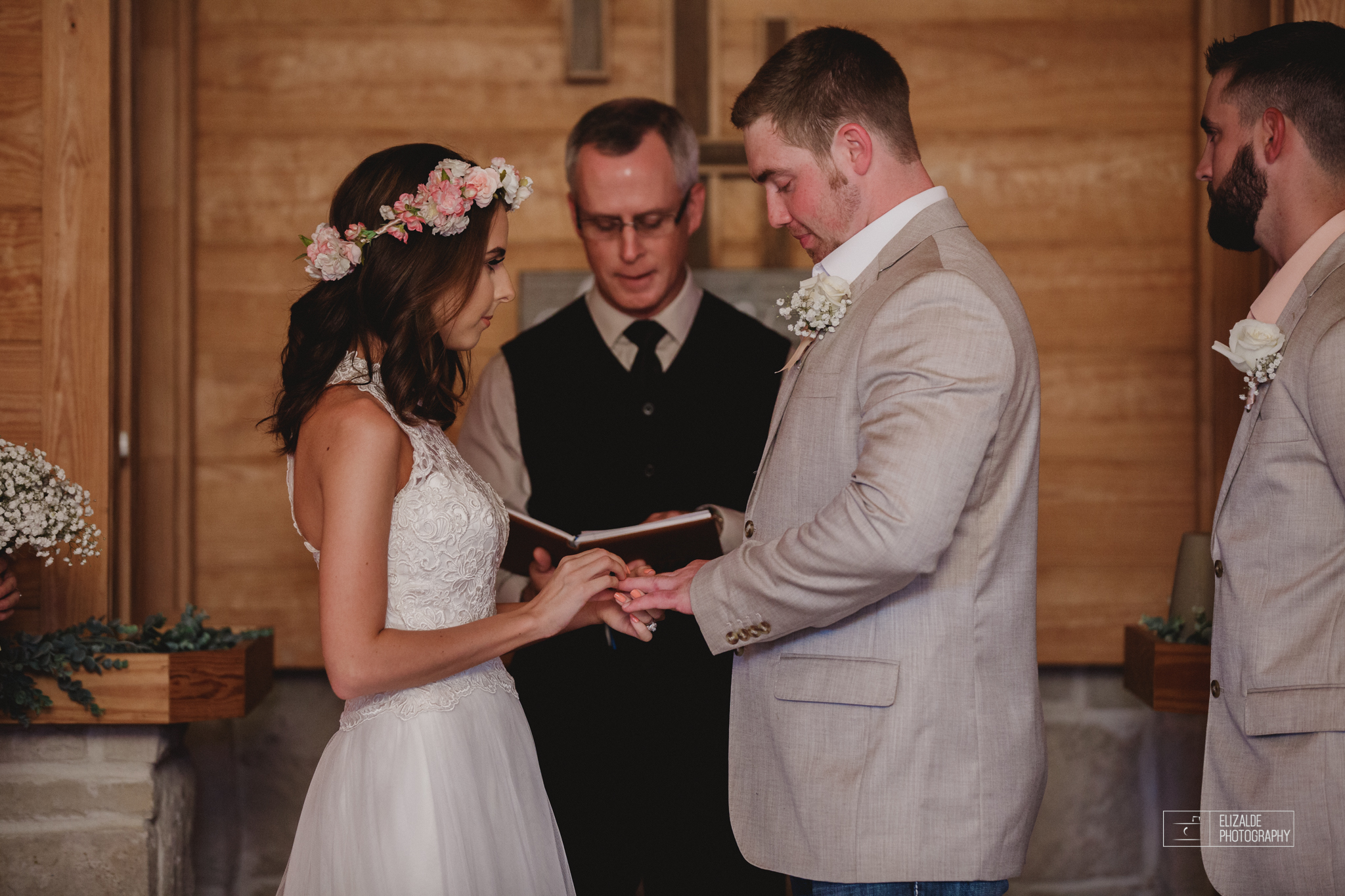 Wedding photographer Dallas_Elizalde Photography_DFW Wedding photographer_ Hickoty Hills_Wedding Photography (44 of 90).jpg