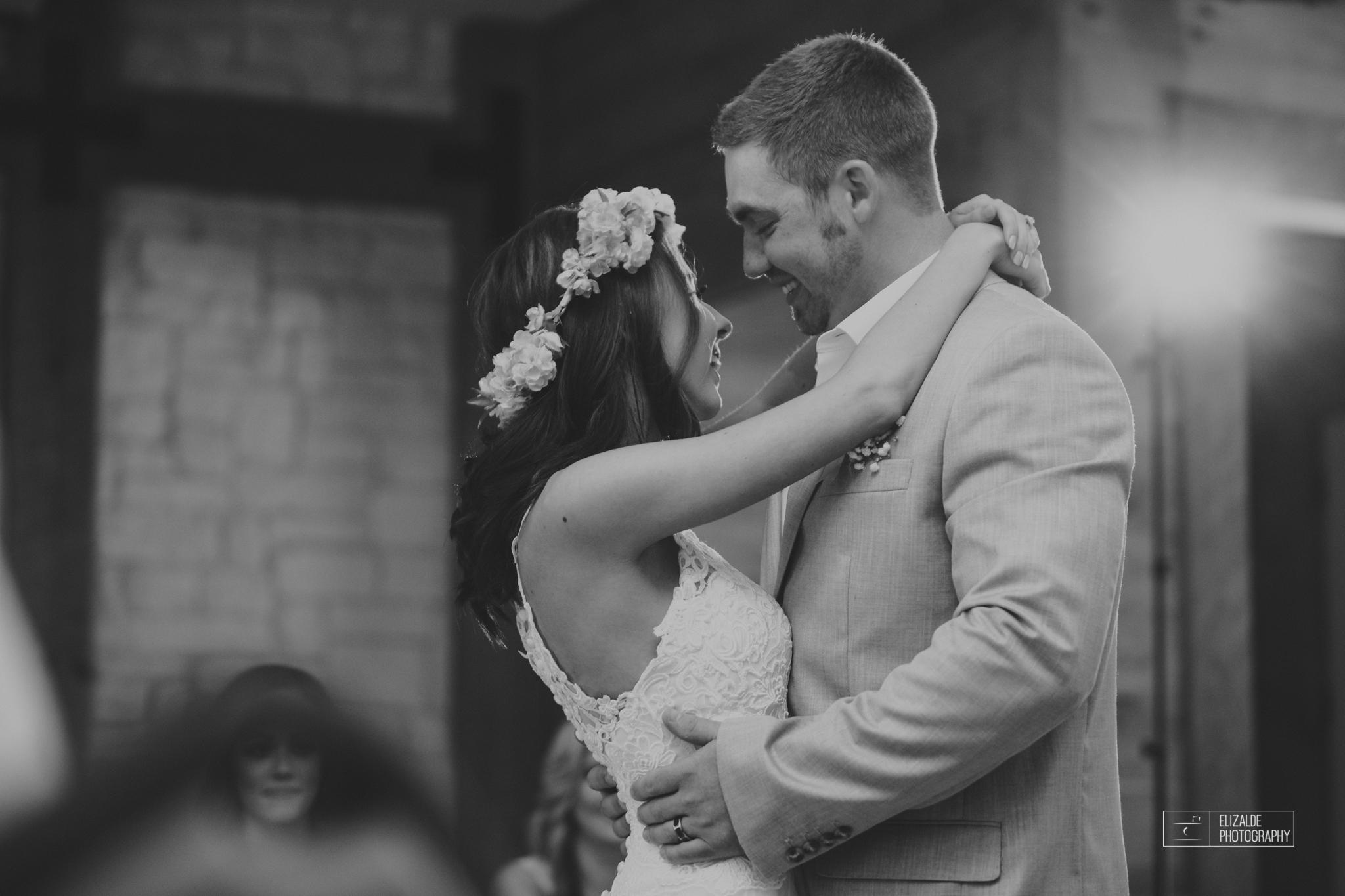 Wedding photographer Dallas_Elizalde Photography_DFW Wedding photographer_ Hickoty Hills_Wedding Photography (58 of 90).jpg