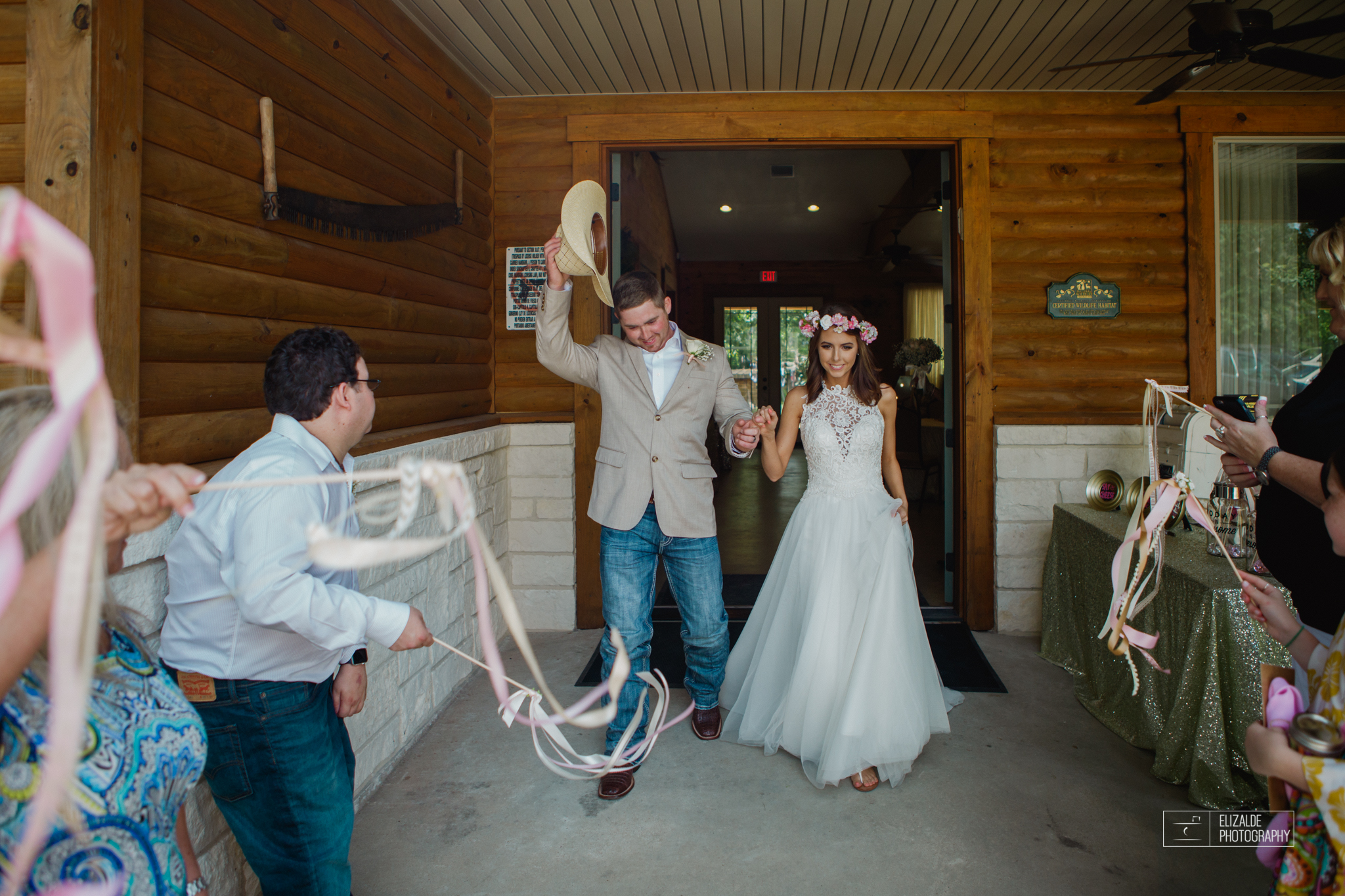 Wedding photographer Dallas_Elizalde Photography_DFW Wedding photographer_ Hickoty Hills_Wedding Photography (85 of 90).jpg