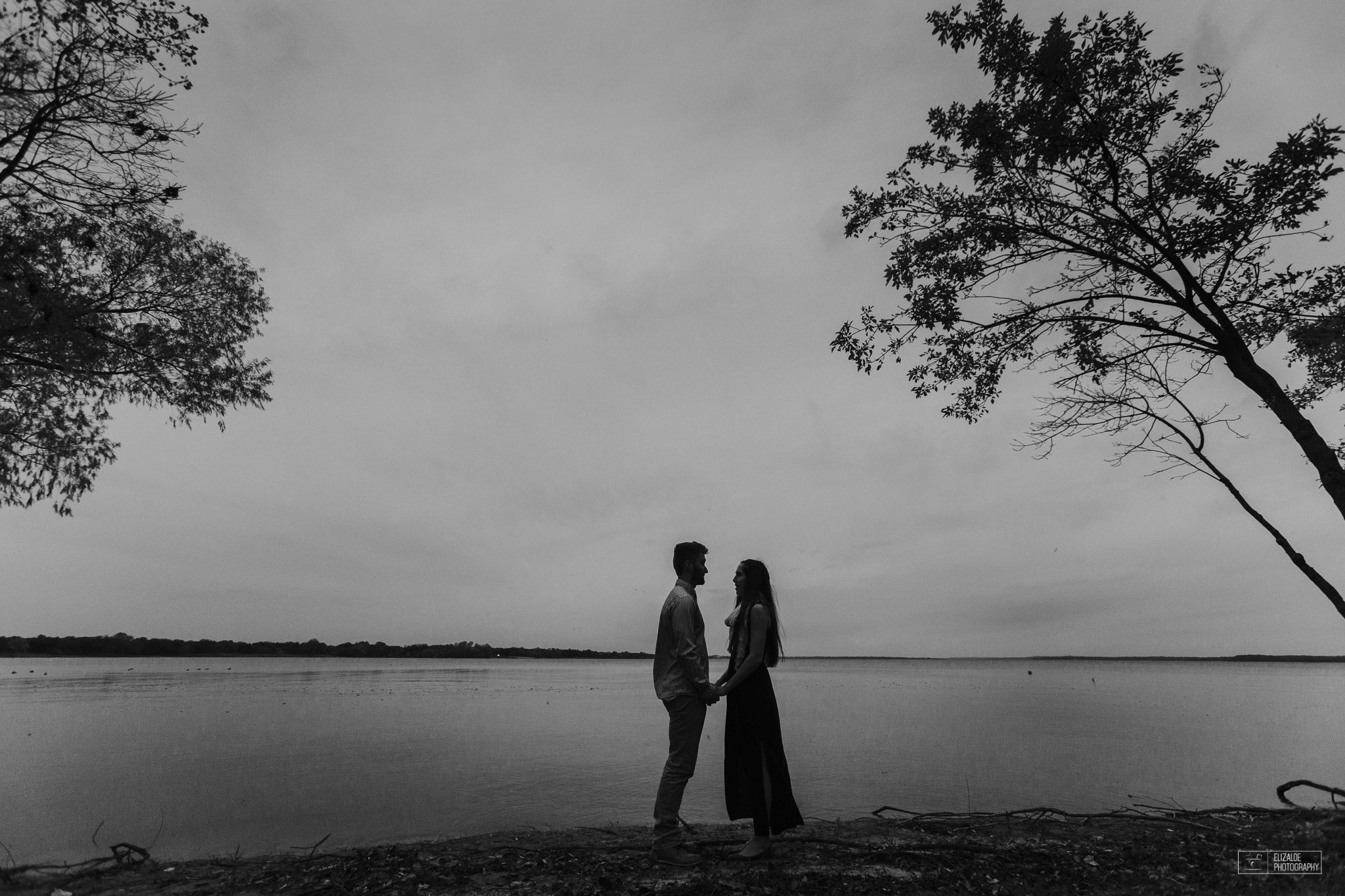 Engagement session_Engagement_Dallas photographer_Denton Photographer_elizalde photography_DFW wedding photographer_wedding (10 of 24).jpg