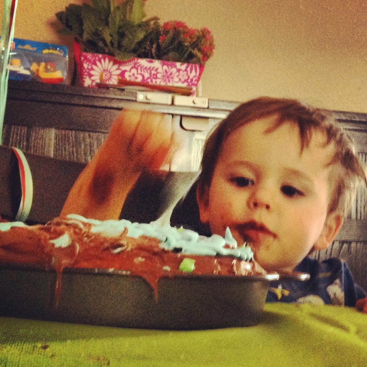 Hudson cake eating demo