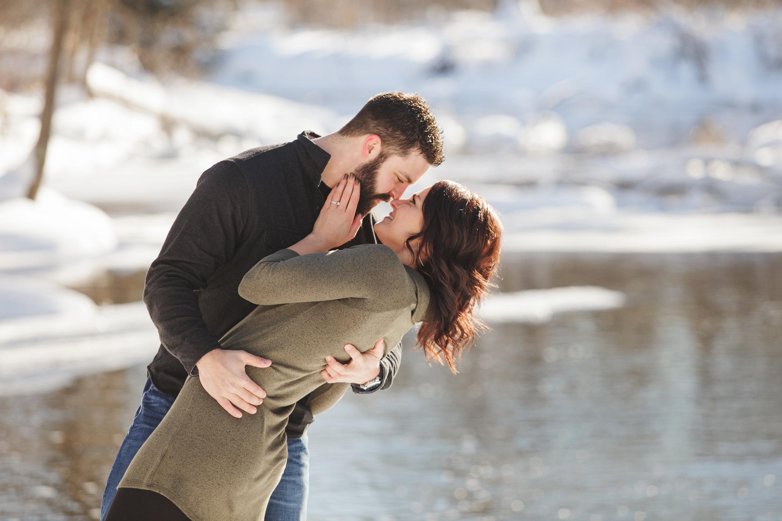 Bemidji_MN_Winter_Engagement_04.jpg