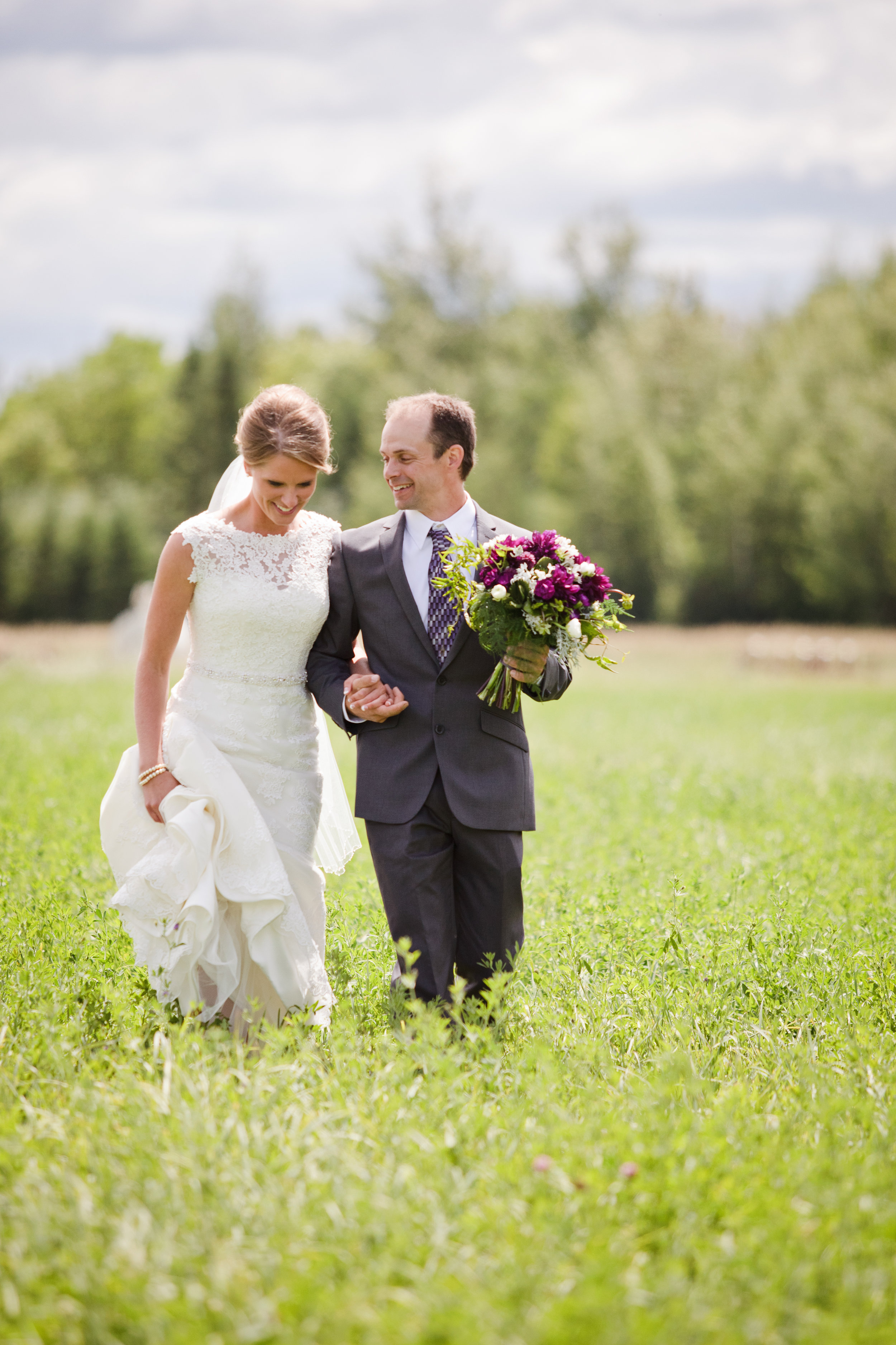 Bemidji MN Outdoor Wedding Photographer