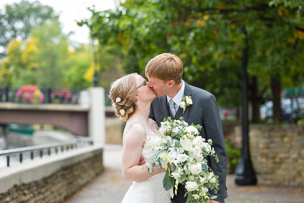Northfield_MN_Grand_Wedding_17.jpg