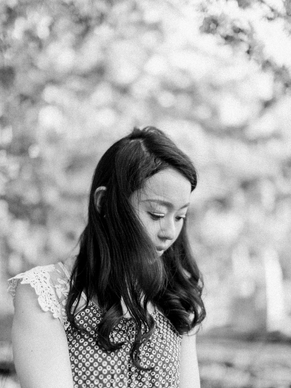 Calgary-wedding Photography-spring-engagement-cherry-tree-5.jpg