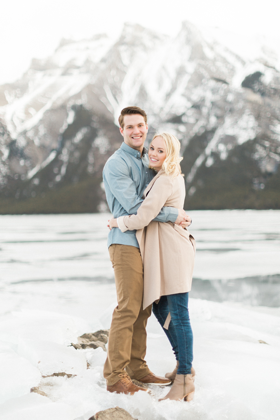 Lake-Minnewanka-engagement-photos-6.jpg