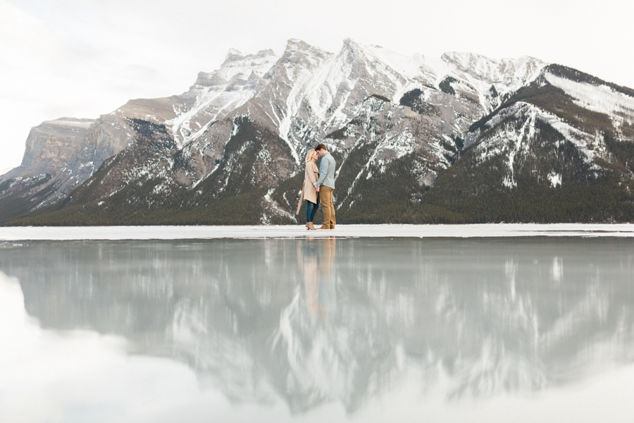 Lake-Minnewanka-engagement-photos-14.jpg