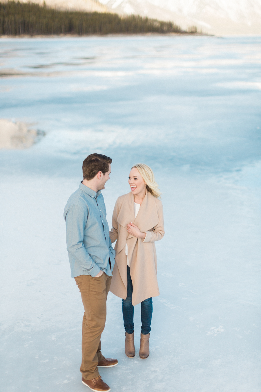 Lake-Minnewanka-engagement-photos-37.jpg