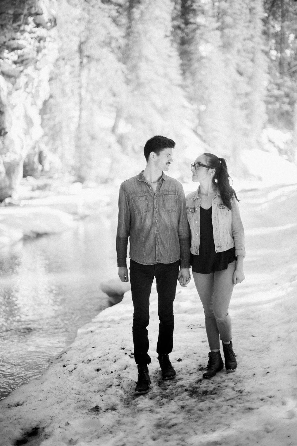Banff-engagement-session-johnston-canjon-11.jpg