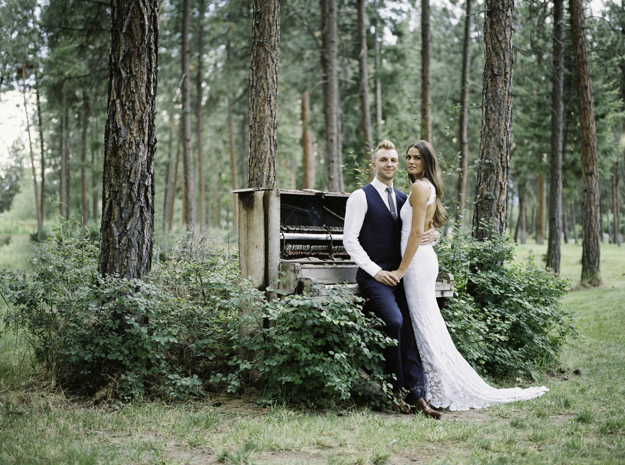 Kelowna-wedding-Bottega-old-piano.jpg