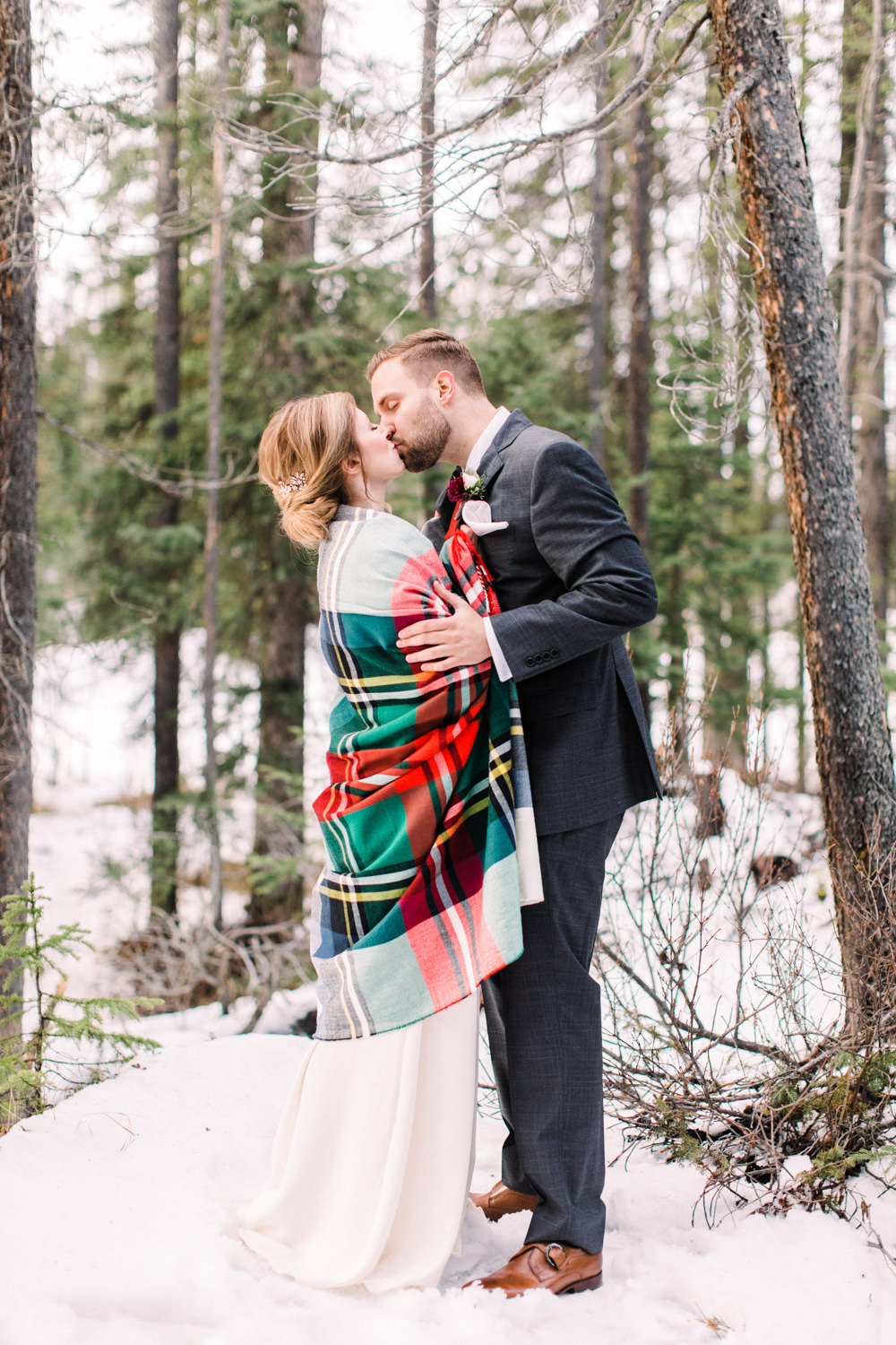 Matt-and-Jennas-Emerald-Lake-winter-wedding-37.jpg
