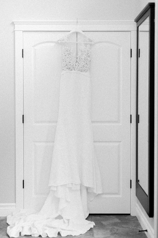 Breatt-and-Katies-romantic-Lake-house-wedding-Calgary-9.jpg