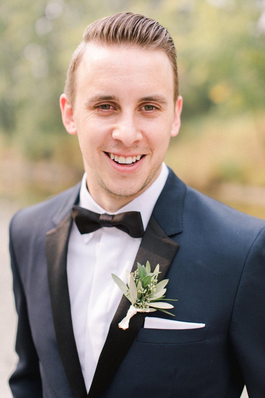 Breatt-and-Katies-romantic-Lake-house-wedding-Calgary-28.jpg