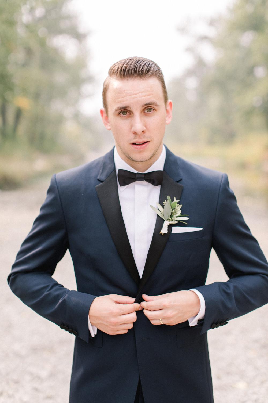 Breatt-and-Katies-romantic-Lake-house-wedding-Calgary-27.jpg